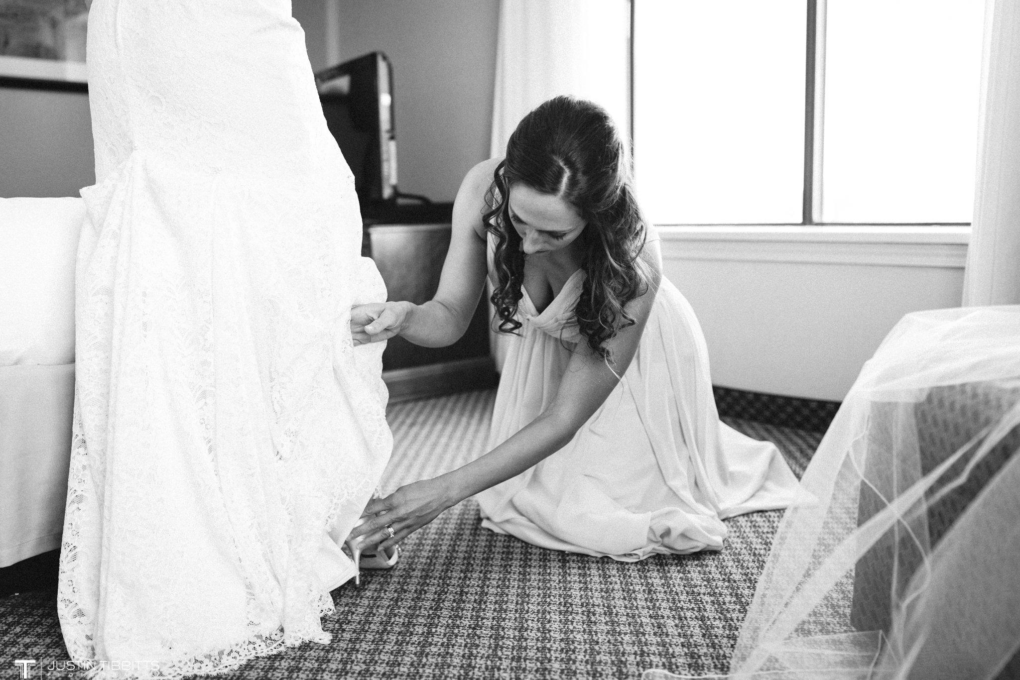 crooked-lake-house-wedding-photos-with-agata-and-seth_0020