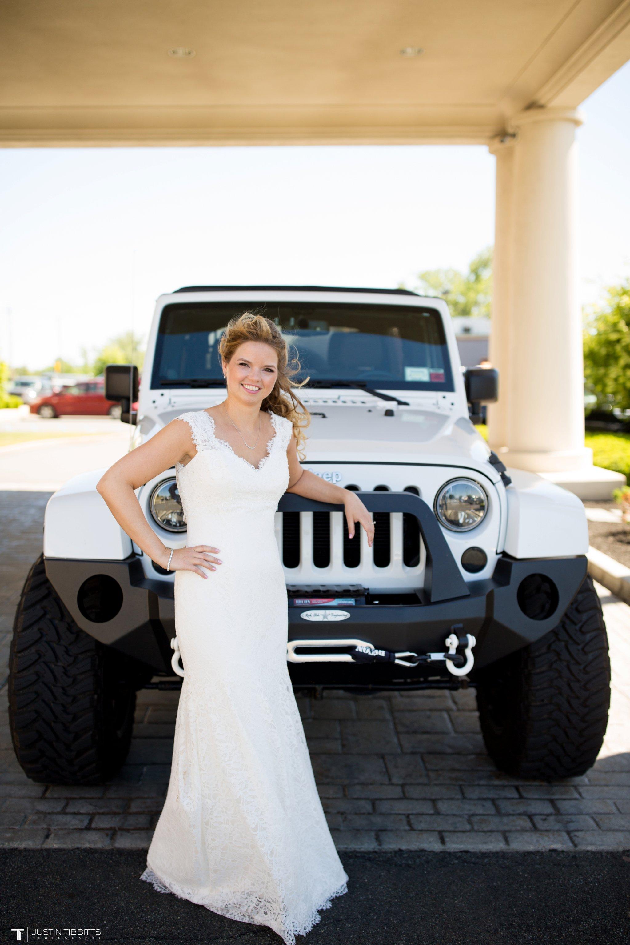 crooked-lake-house-wedding-photos-with-agata-and-seth_0023