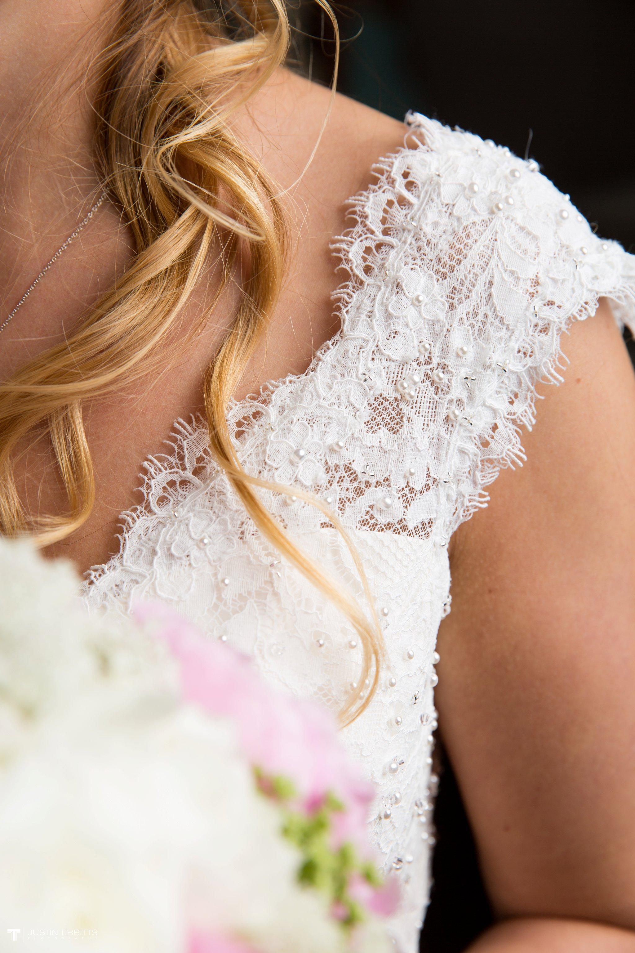 crooked-lake-house-wedding-photos-with-agata-and-seth_0031