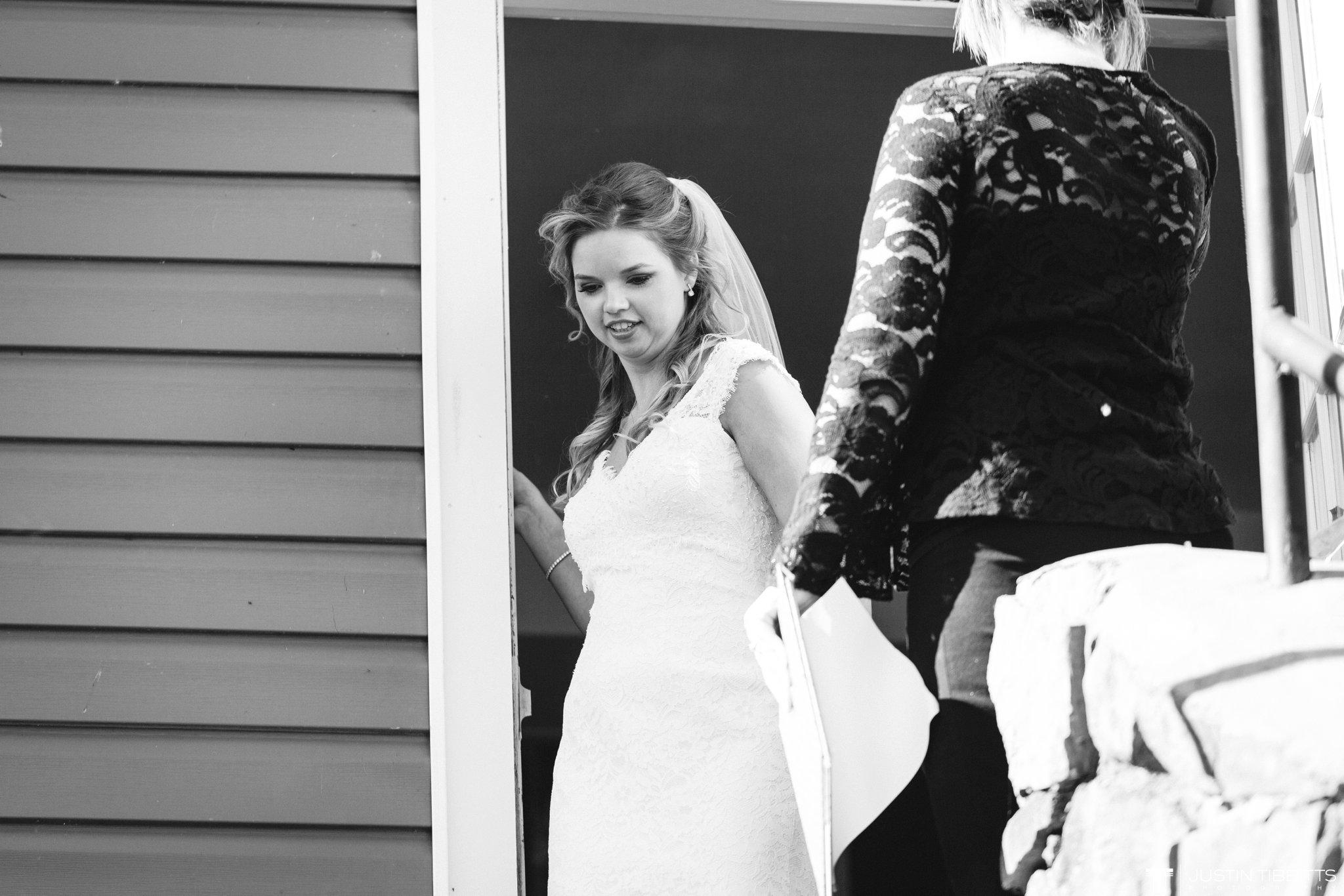 crooked-lake-house-wedding-photos-with-agata-and-seth_0049