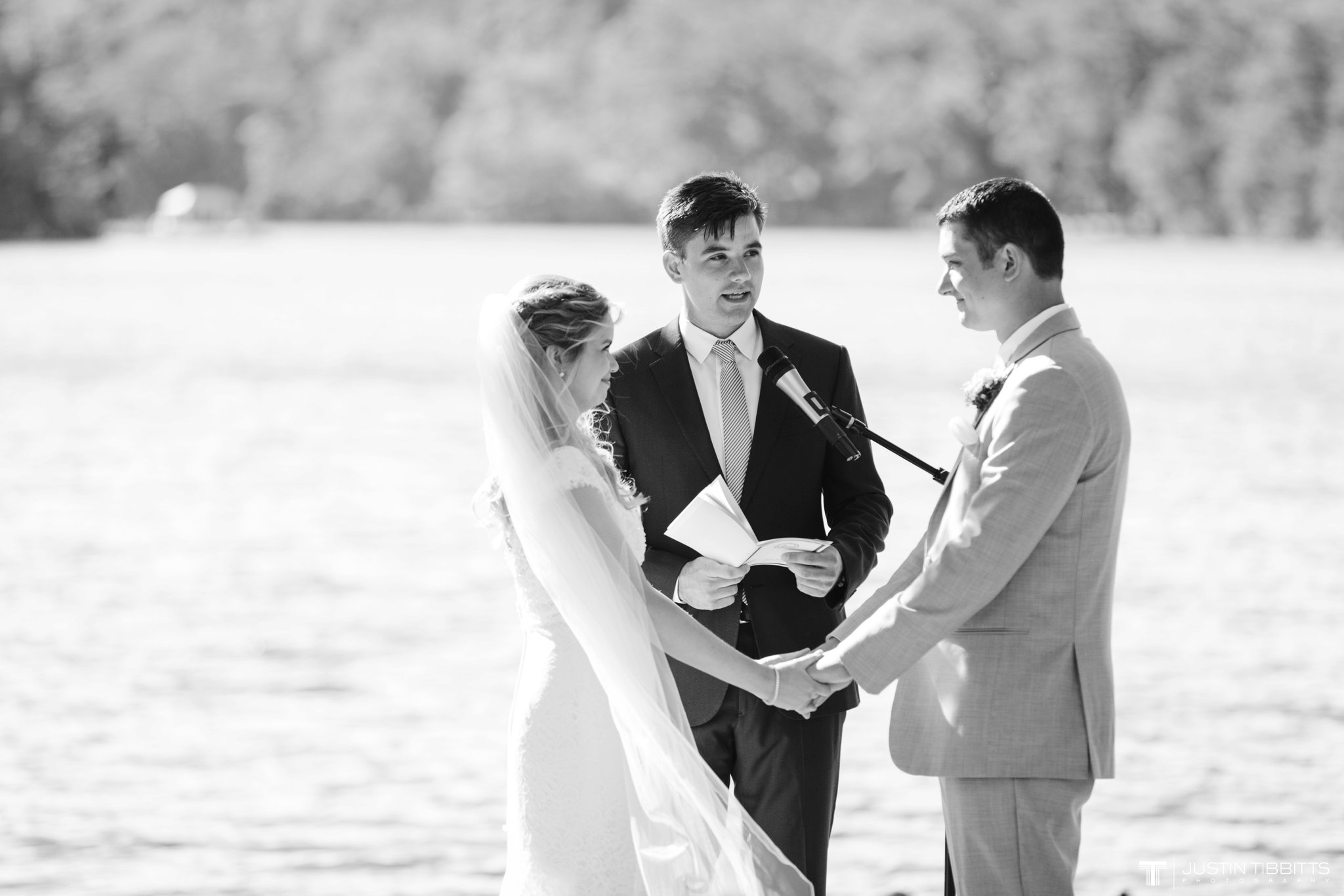 crooked-lake-house-wedding-photos-with-agata-and-seth_0058