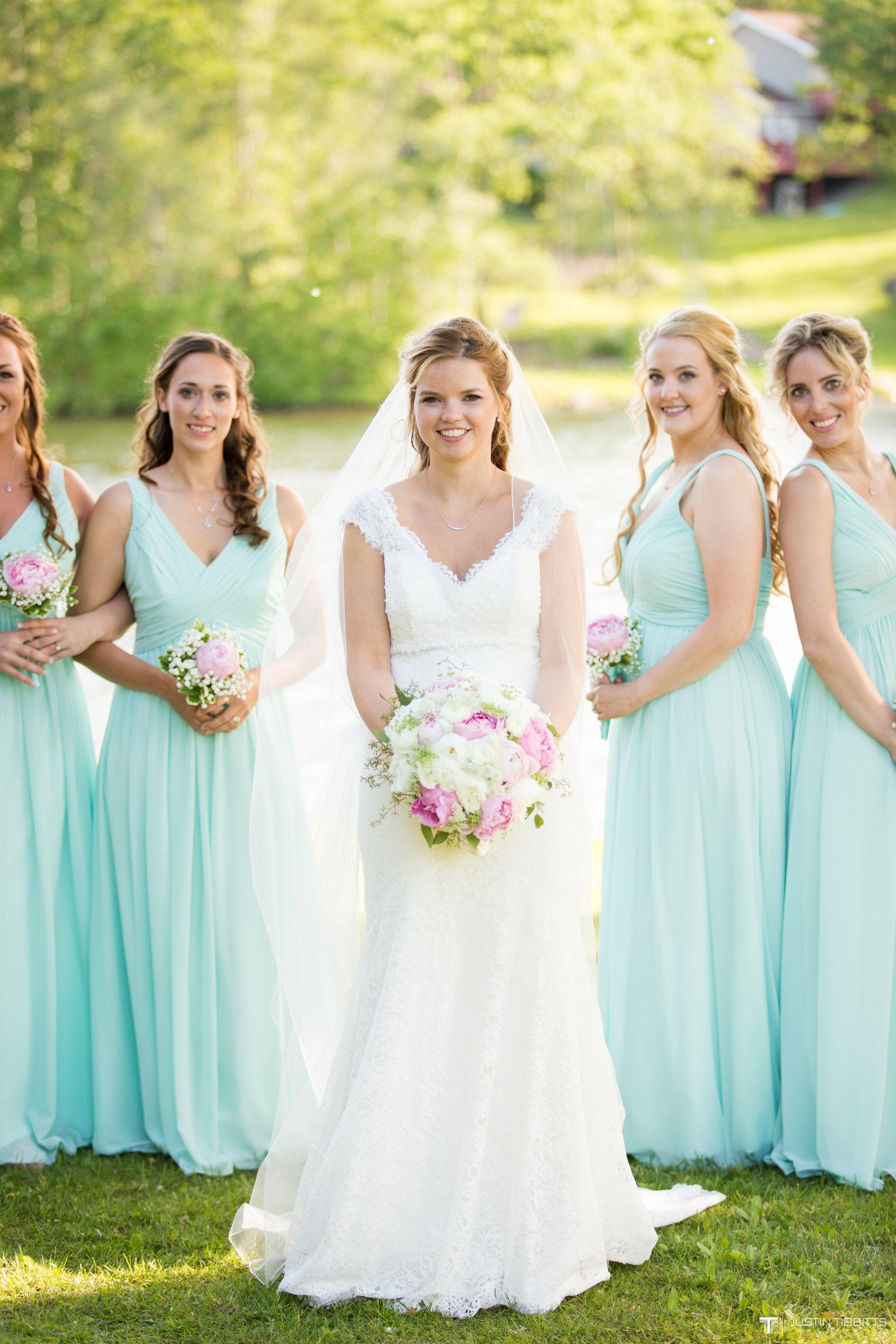 crooked-lake-house-wedding-photos-with-agata-and-seth_0077