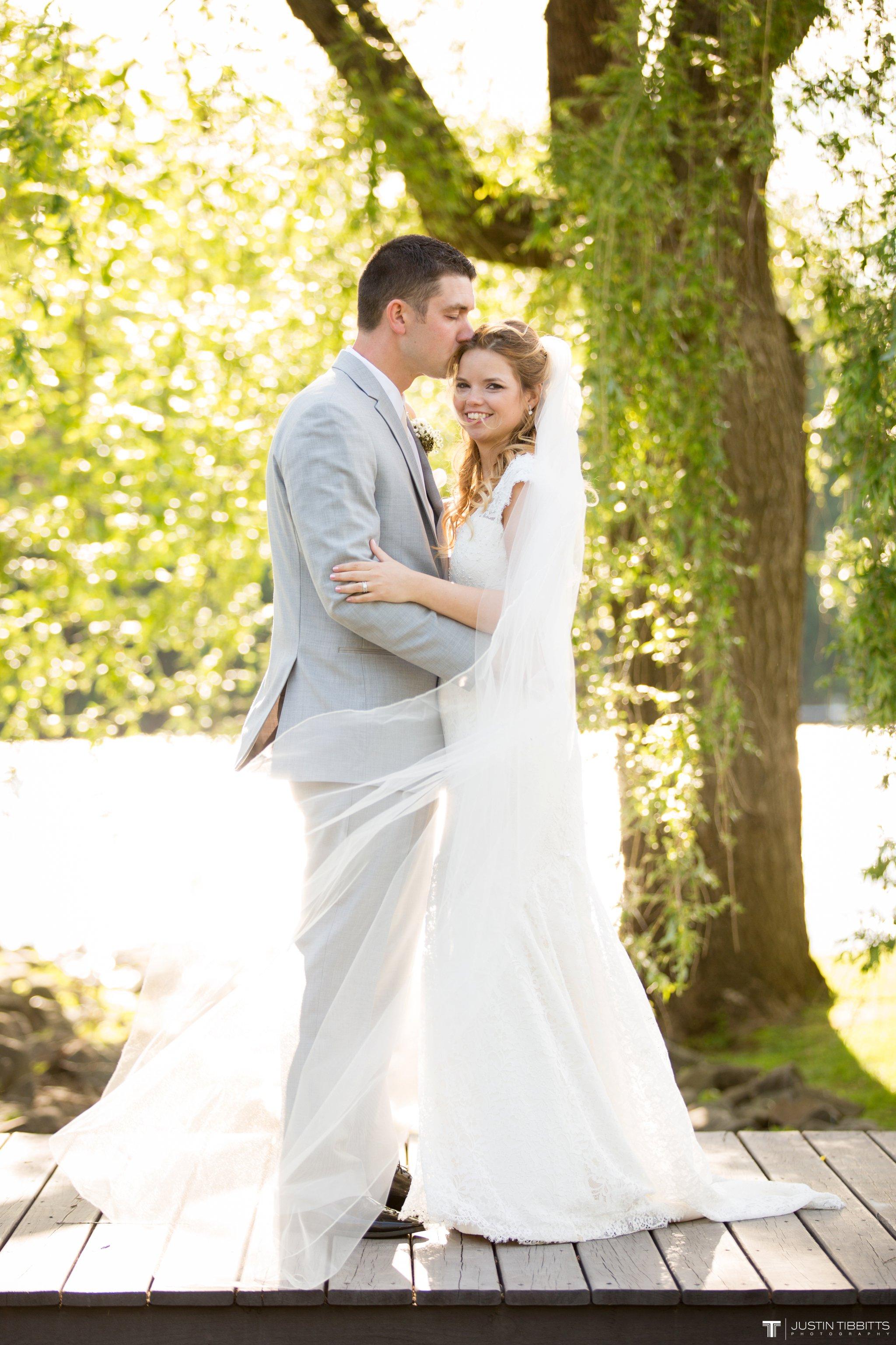 crooked-lake-house-wedding-photos-with-agata-and-seth_0081