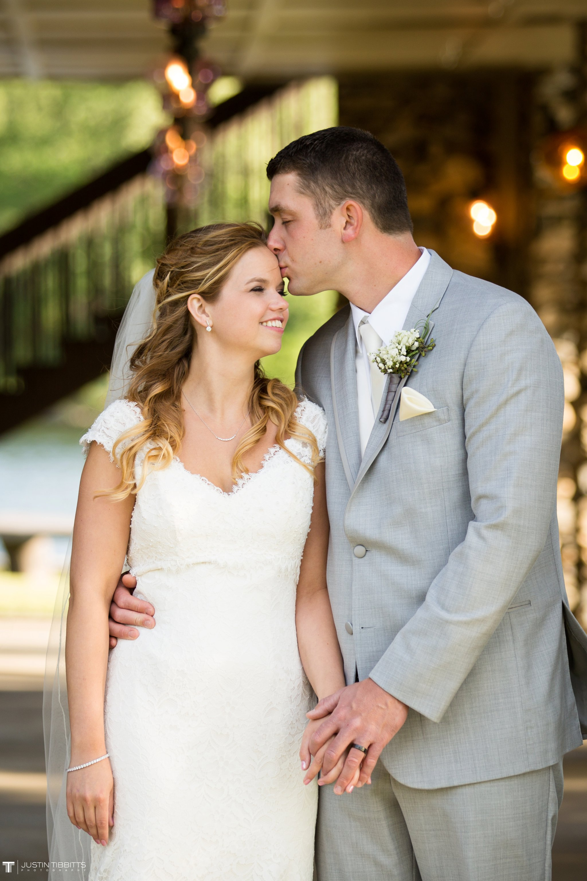 crooked-lake-house-wedding-photos-with-agata-and-seth_0086