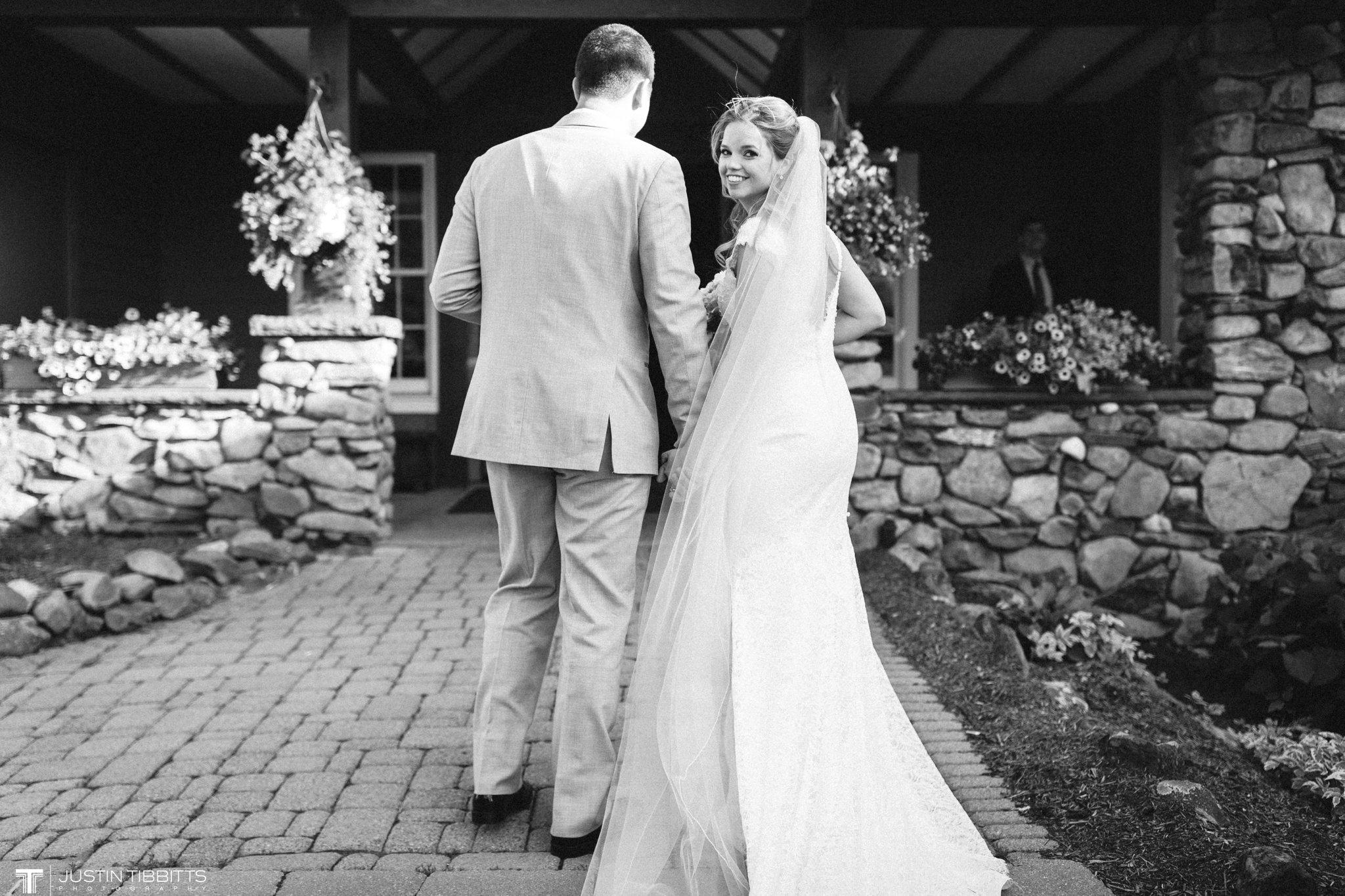 crooked-lake-house-wedding-photos-with-agata-and-seth_0096