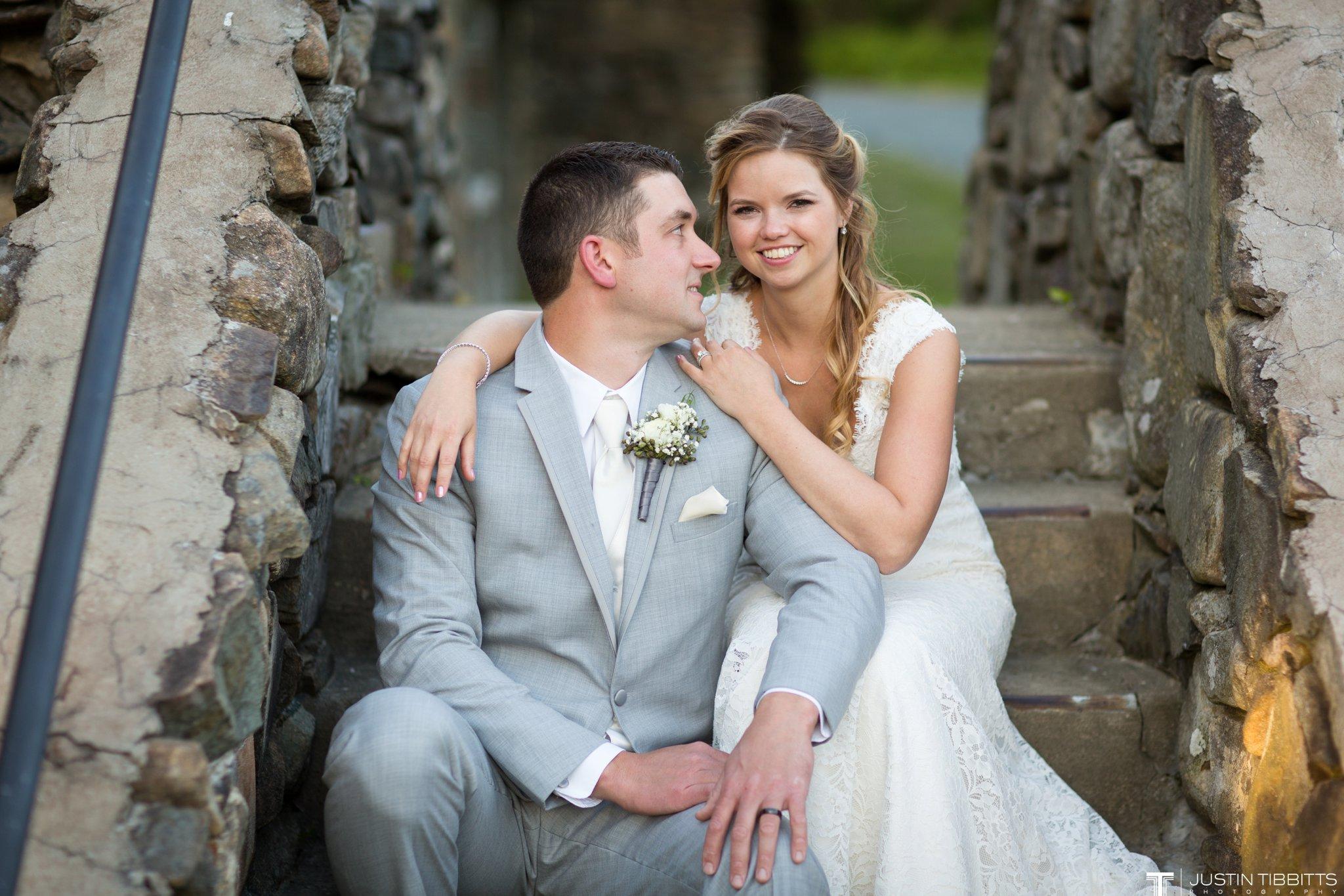 crooked-lake-house-wedding-photos-with-agata-and-seth_0120