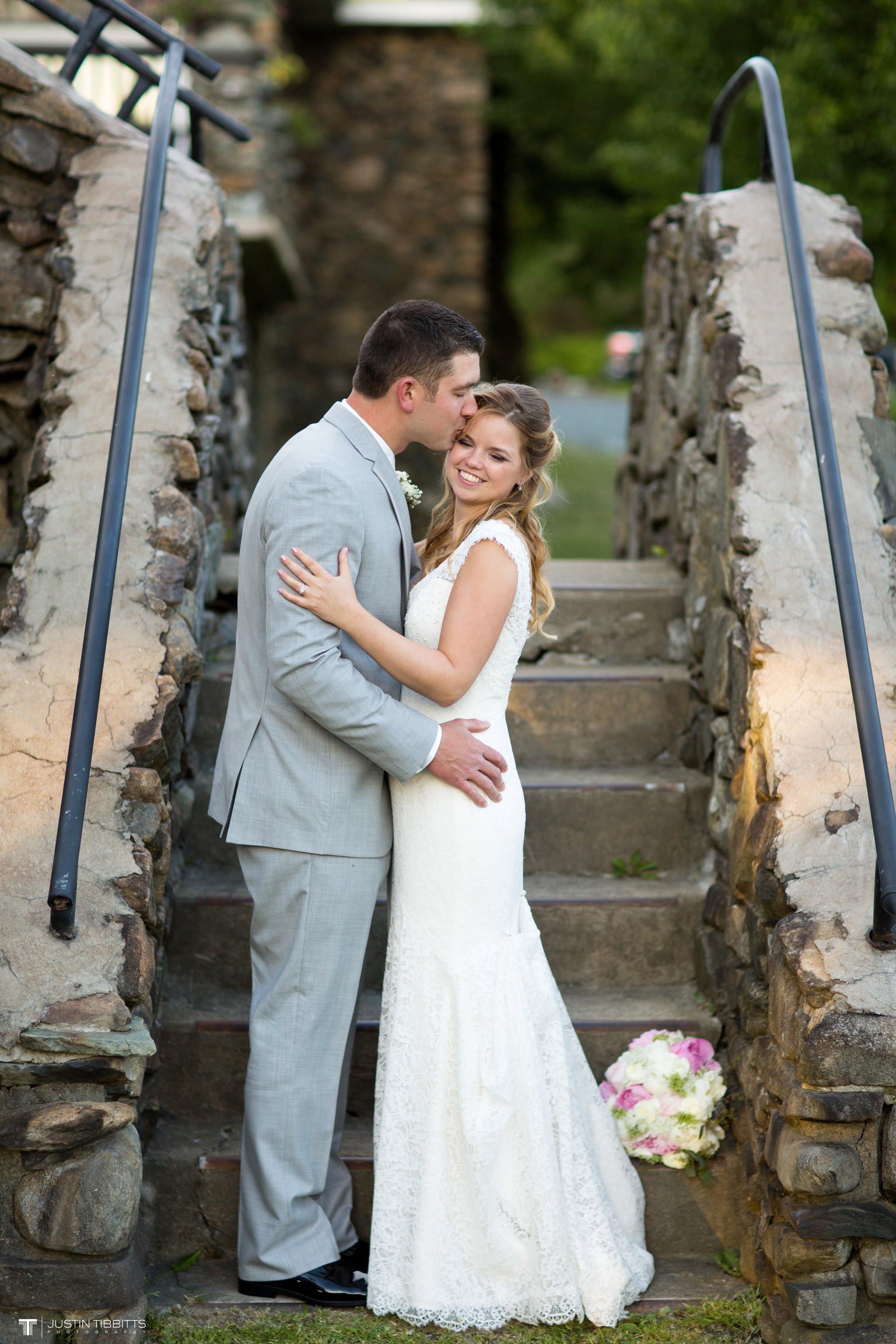 crooked-lake-house-wedding-photos-with-agata-and-seth_0123