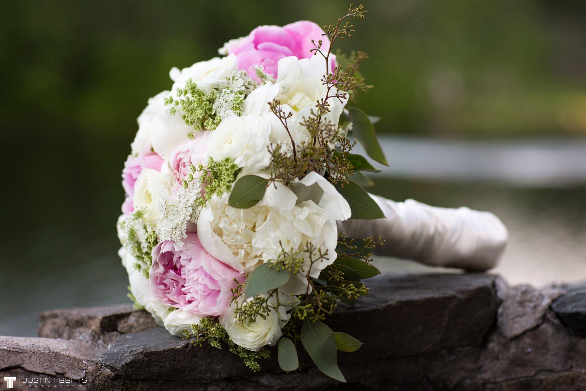 crooked-lake-house-wedding-photos-with-agata-and-seth_0124