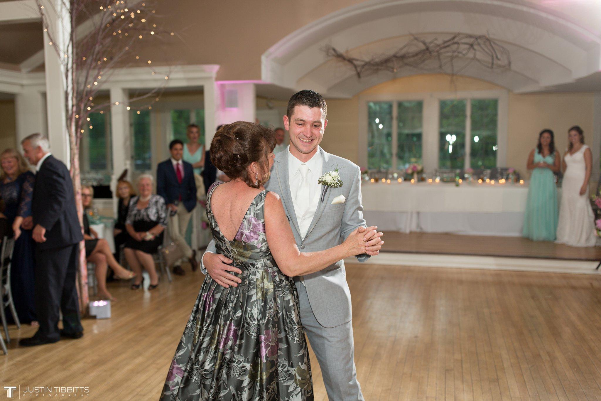 crooked-lake-house-wedding-photos-with-agata-and-seth_0125