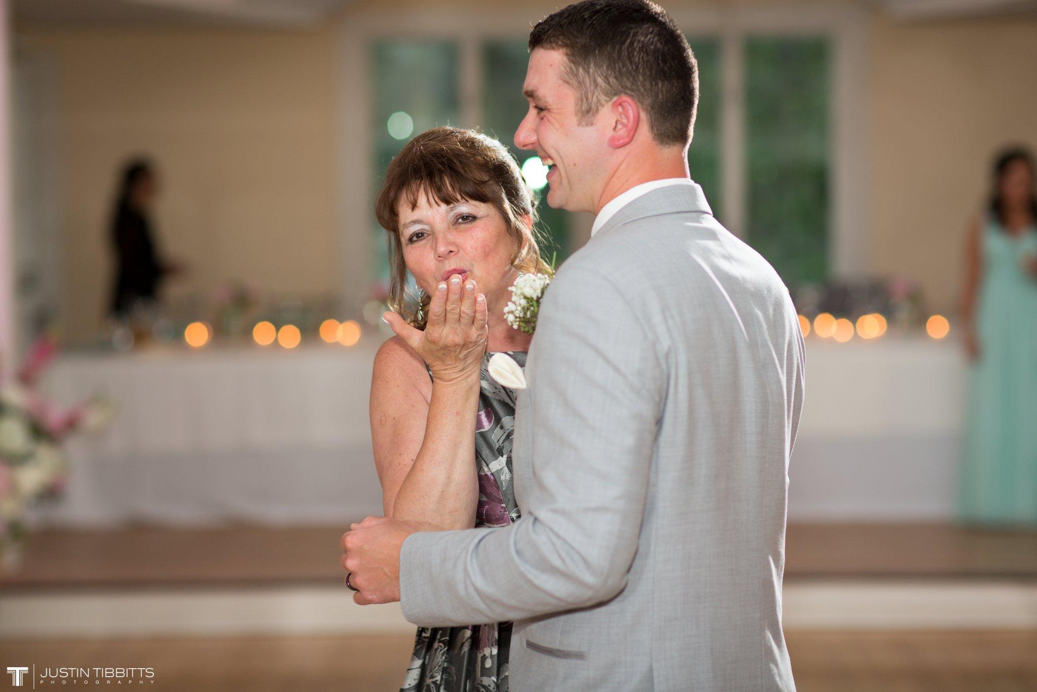 crooked-lake-house-wedding-photos-with-agata-and-seth_0127