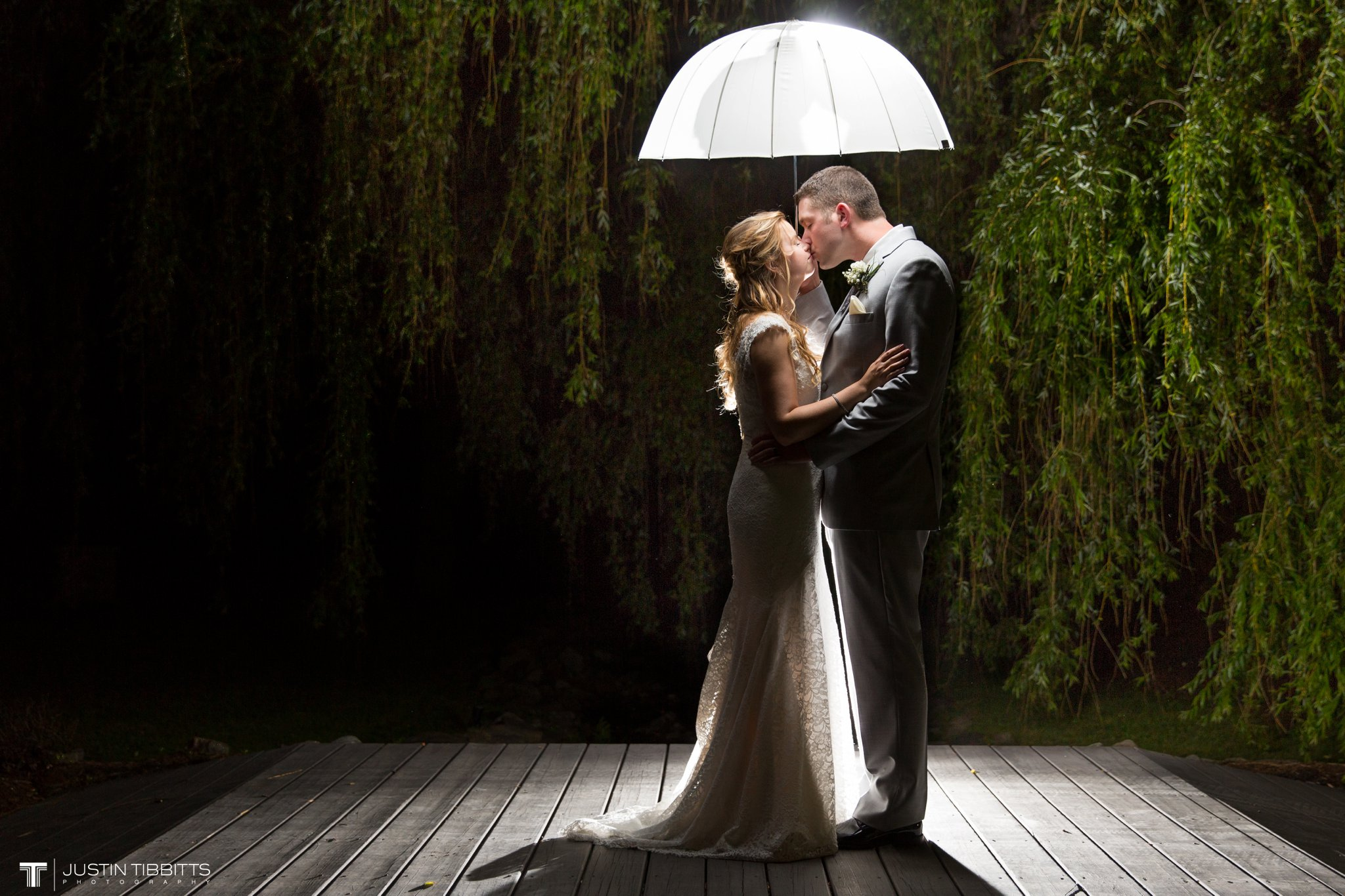 crooked-lake-house-wedding-photos-with-agata-and-seth_0147