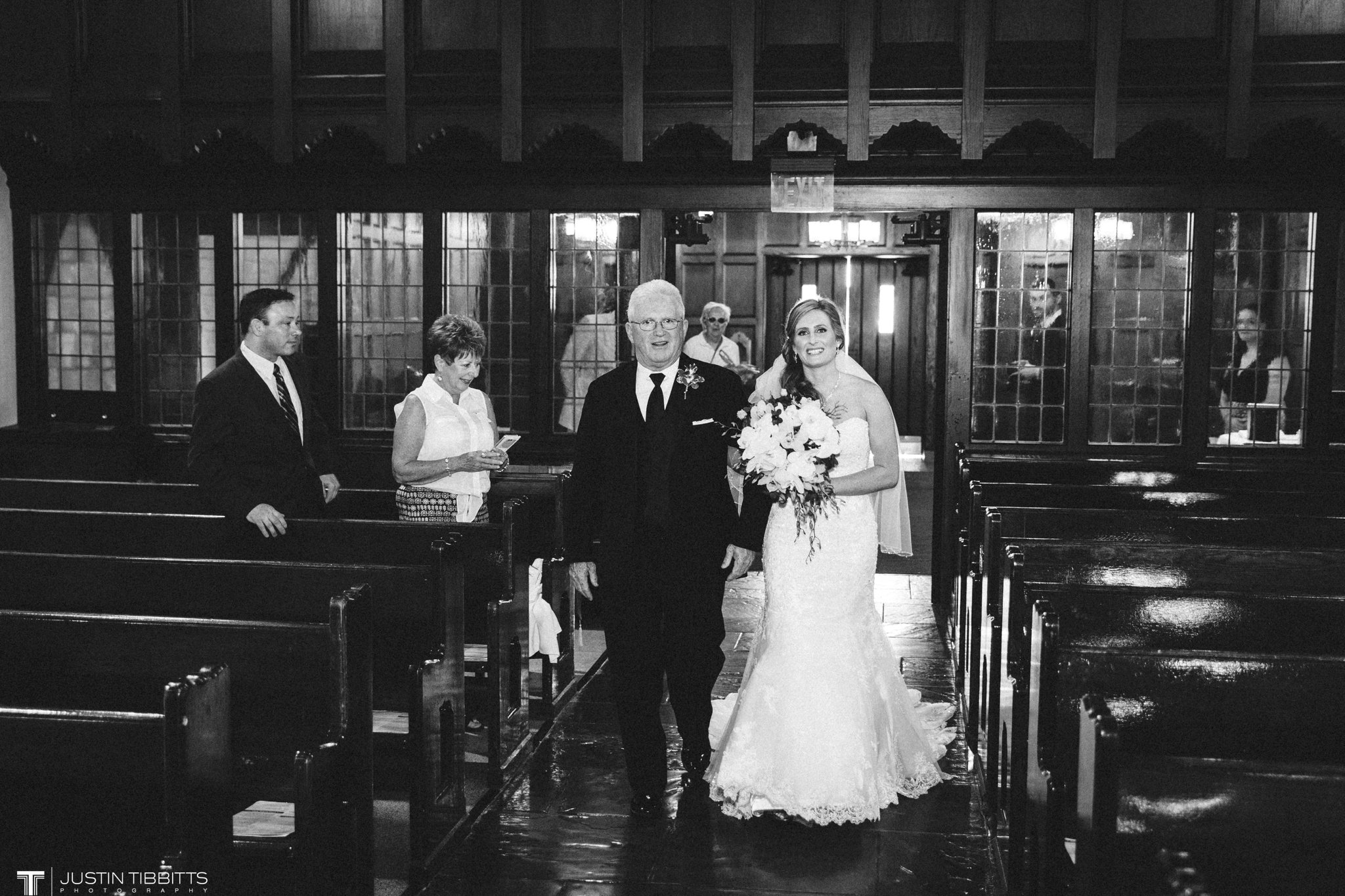 shaker-ridge-country-club-wedding-photos-with-amanda-and-jeff_0029