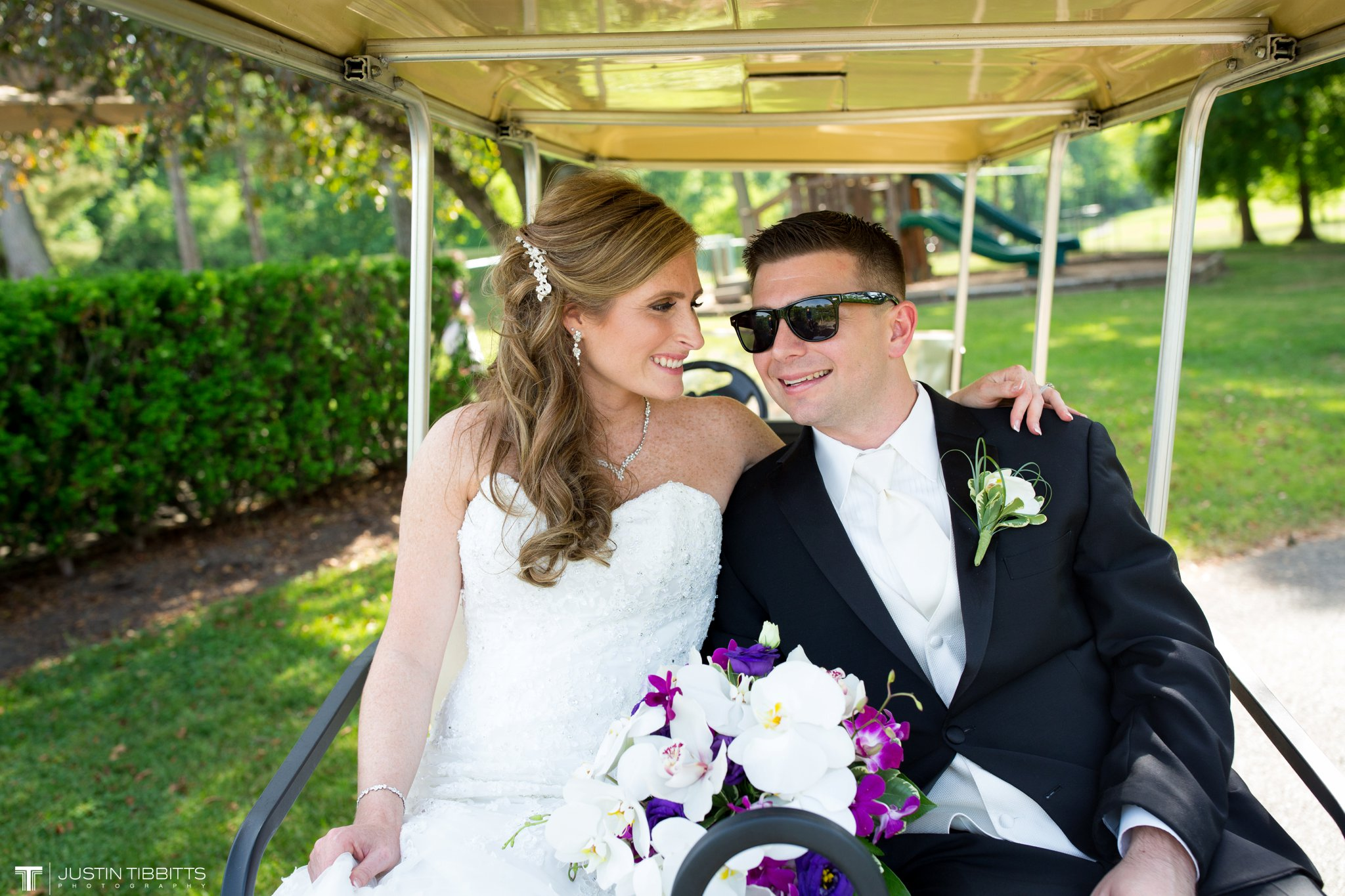 shaker-ridge-country-club-wedding-photos-with-amanda-and-jeff_0052