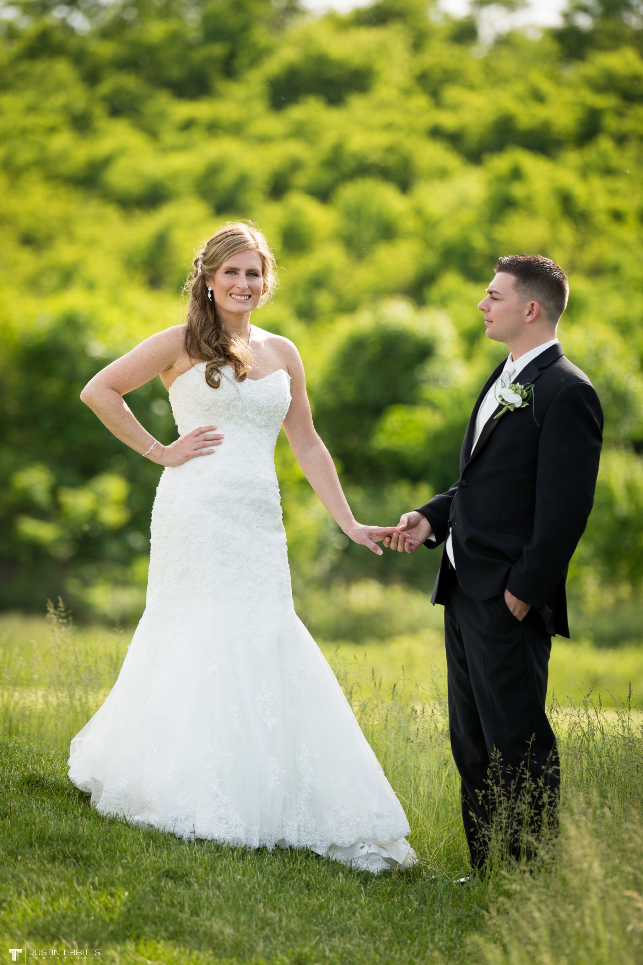 shaker-ridge-country-club-wedding-photos-with-amanda-and-jeff_0056