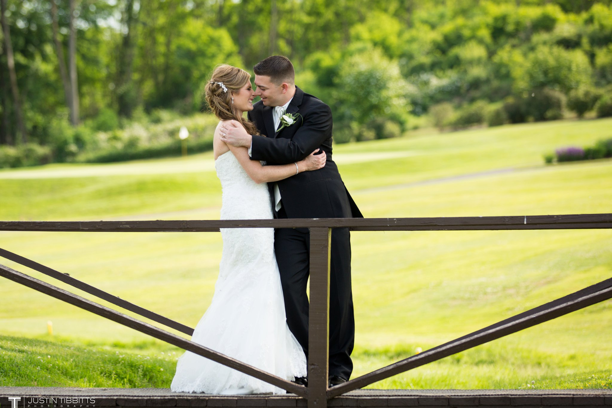 shaker-ridge-country-club-wedding-photos-with-amanda-and-jeff_0057