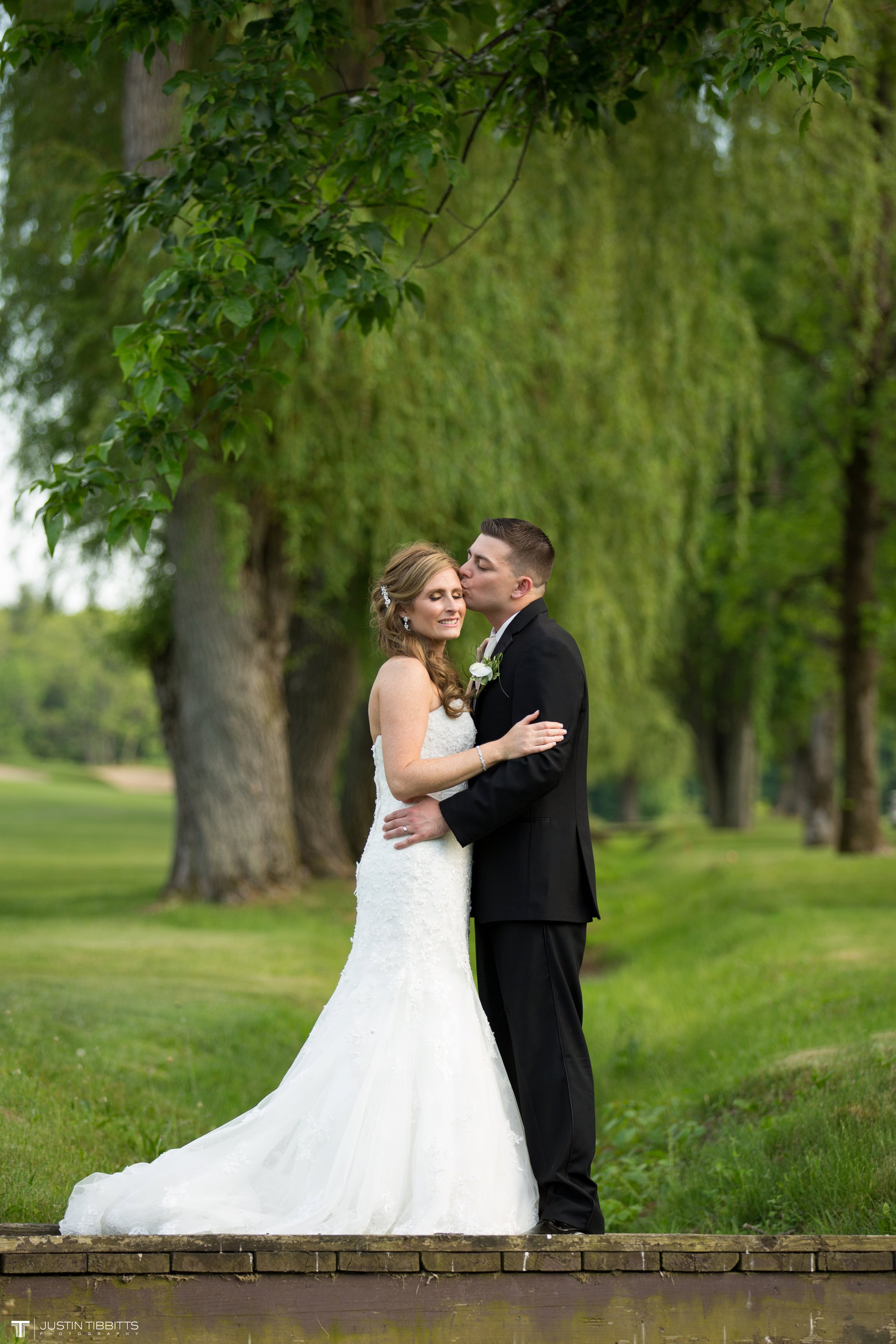 shaker-ridge-country-club-wedding-photos-with-amanda-and-jeff_0061