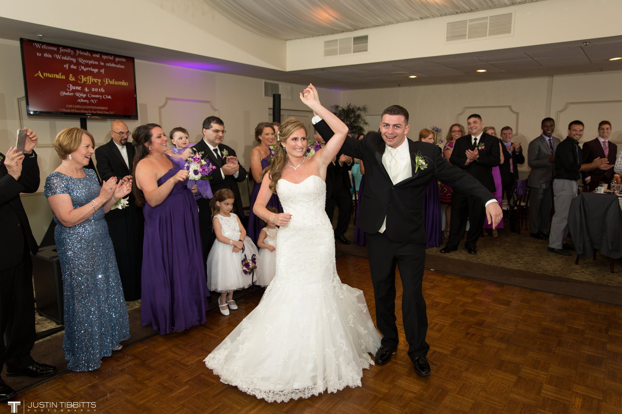 shaker-ridge-country-club-wedding-photos-with-amanda-and-jeff_0071