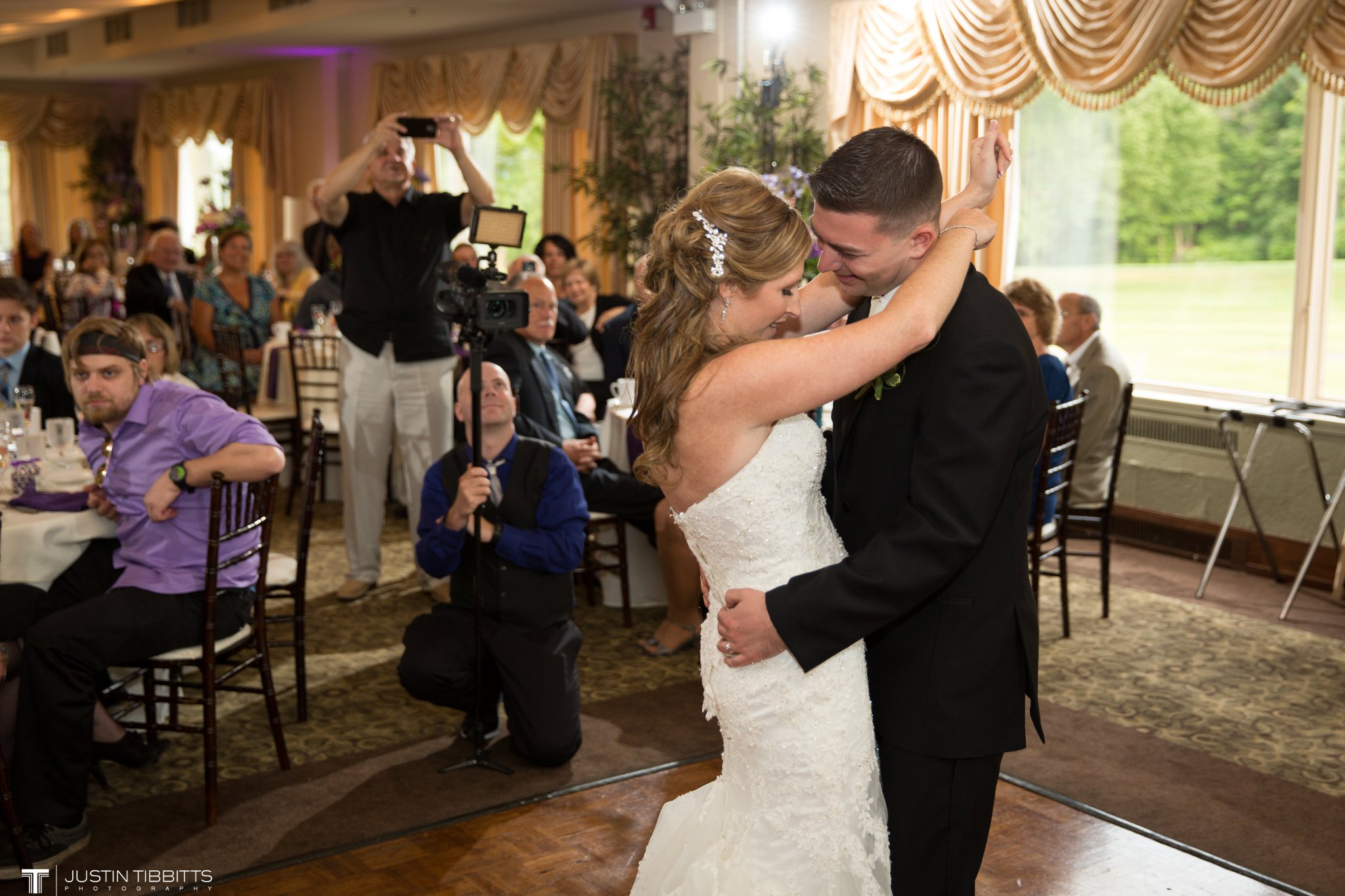 shaker-ridge-country-club-wedding-photos-with-amanda-and-jeff_0074