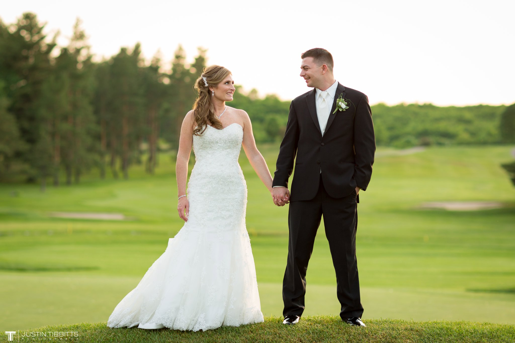 shaker-ridge-country-club-wedding-photos-with-amanda-and-jeff_0079