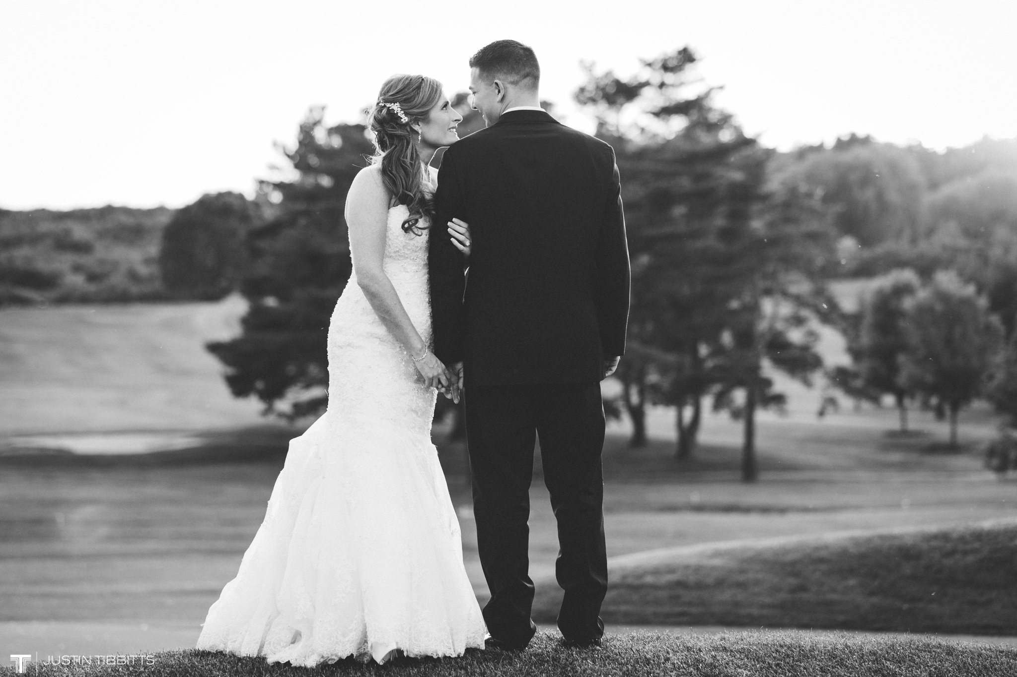 shaker-ridge-country-club-wedding-photos-with-amanda-and-jeff_0080