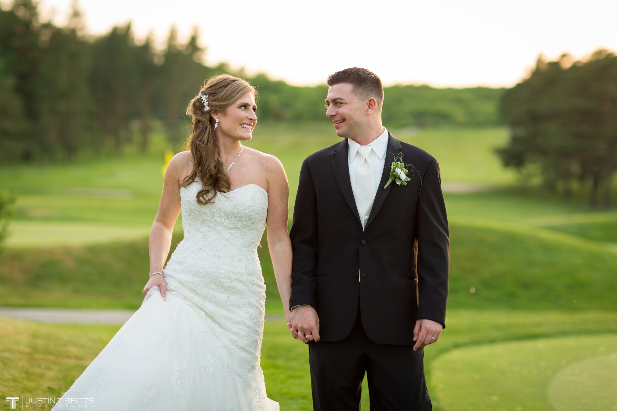 shaker-ridge-country-club-wedding-photos-with-amanda-and-jeff_0082