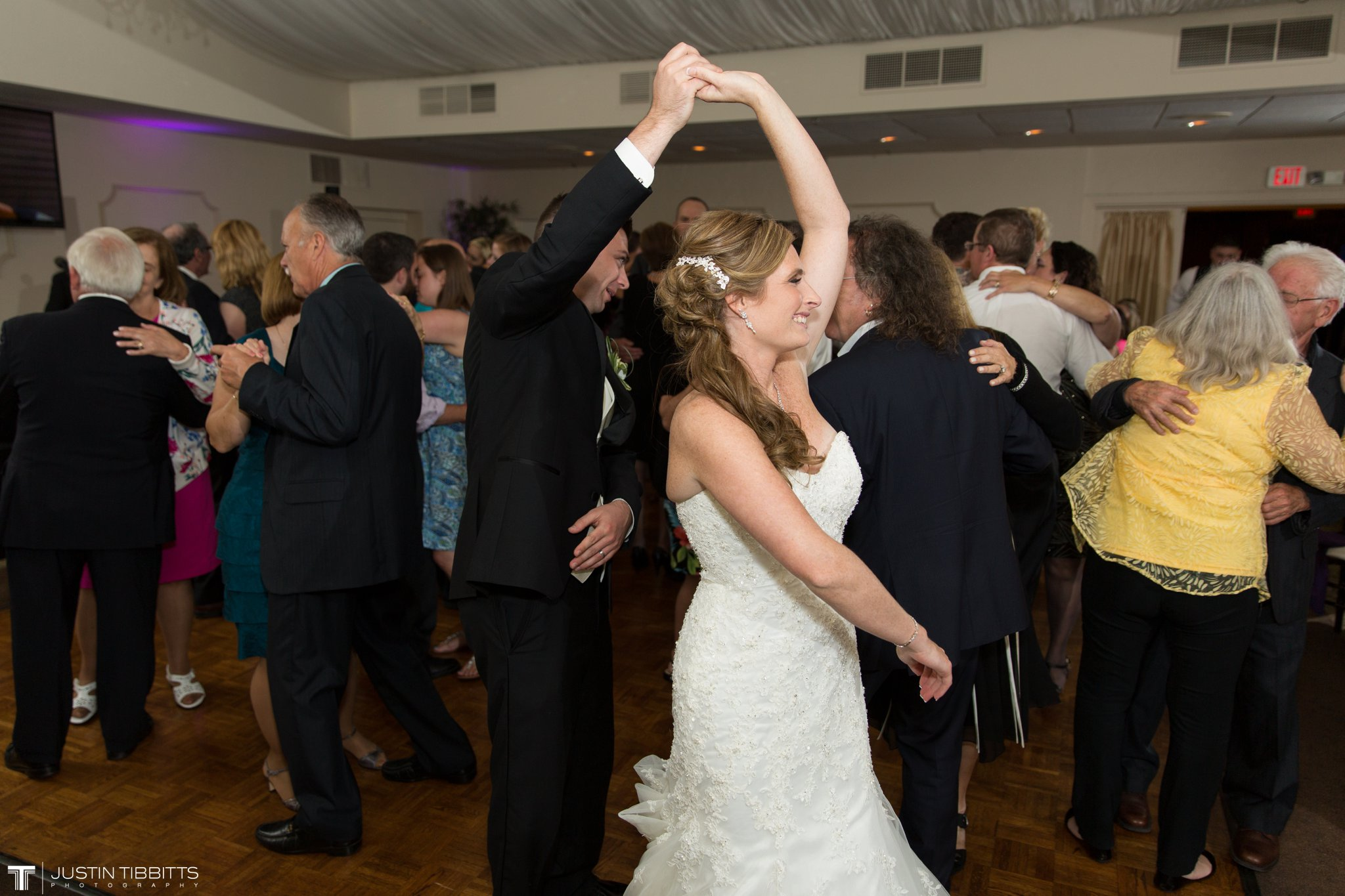 shaker-ridge-country-club-wedding-photos-with-amanda-and-jeff_0084