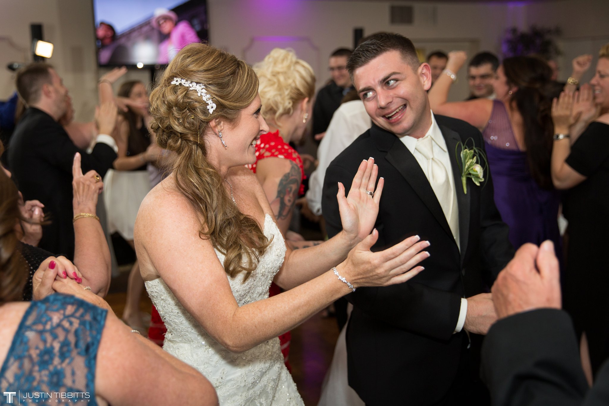 shaker-ridge-country-club-wedding-photos-with-amanda-and-jeff_0086