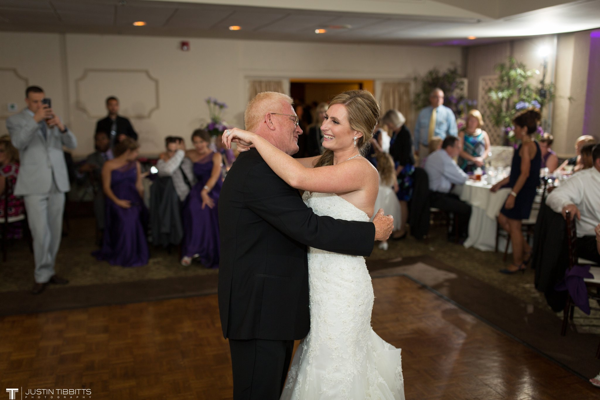 shaker-ridge-country-club-wedding-photos-with-amanda-and-jeff_0088