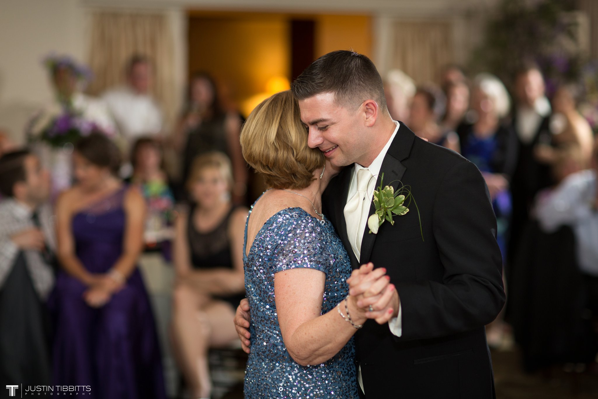 shaker-ridge-country-club-wedding-photos-with-amanda-and-jeff_0090