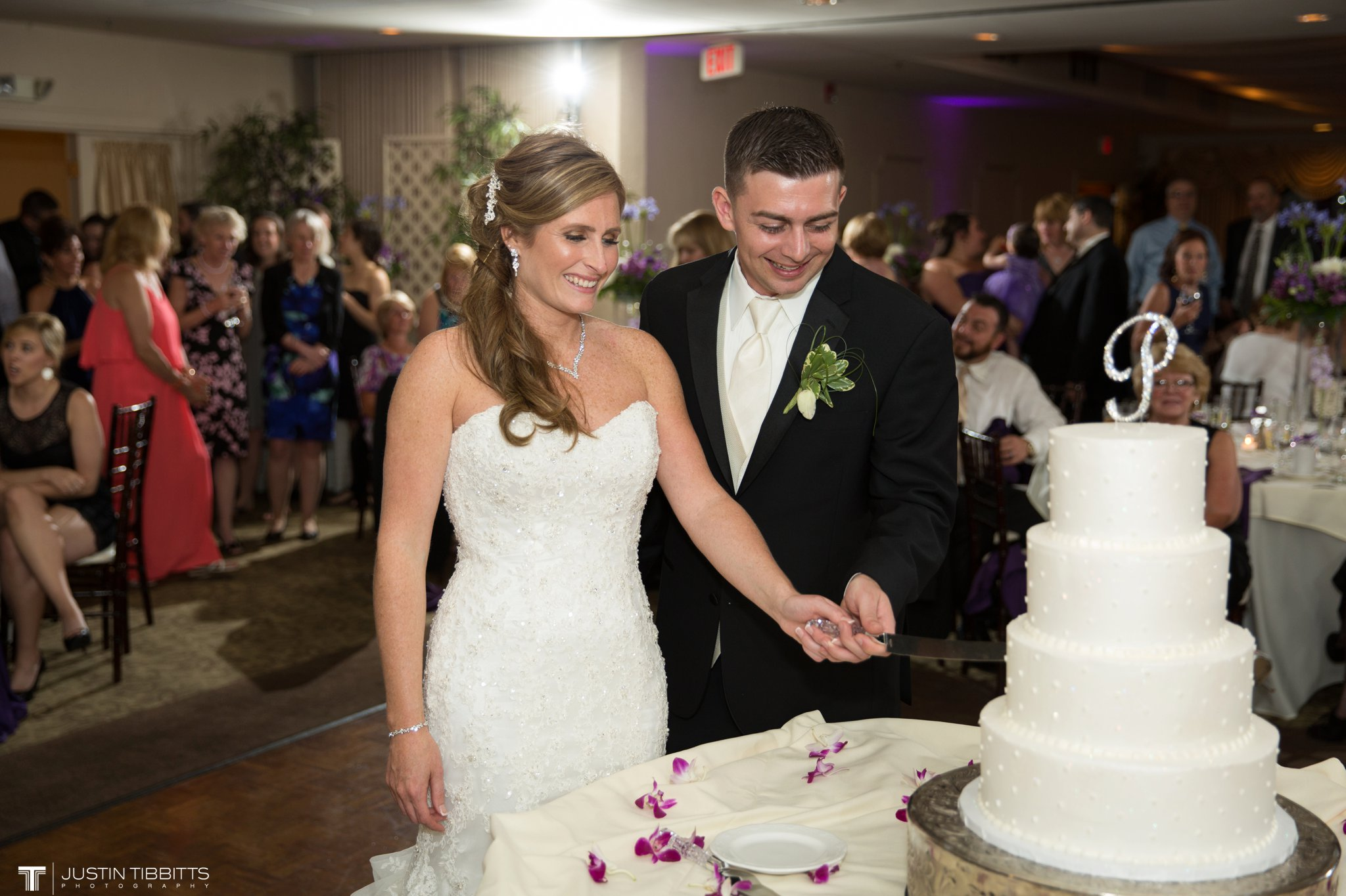 shaker-ridge-country-club-wedding-photos-with-amanda-and-jeff_0092