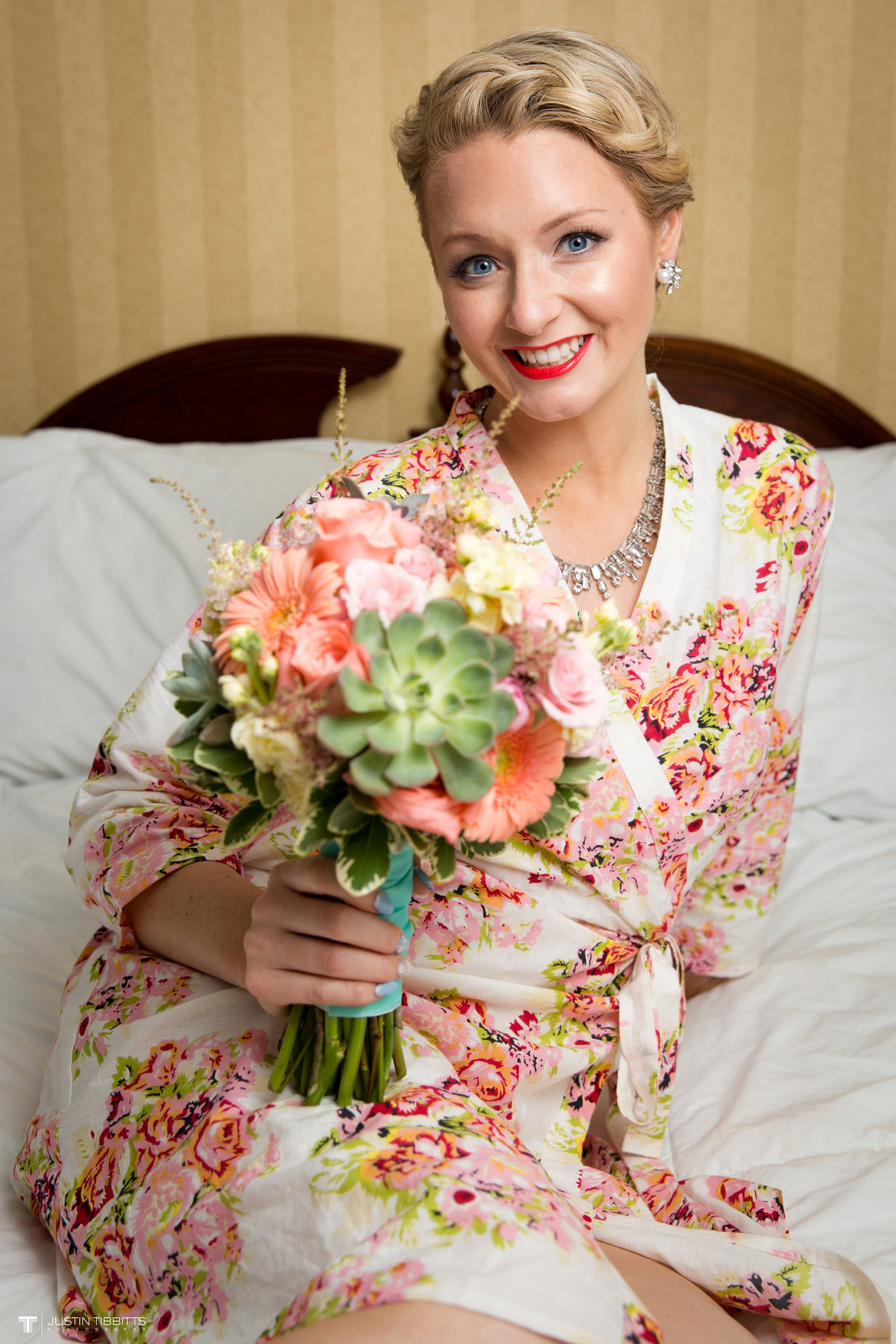 burlap-and-beams-wedding-photos-with-joran-and-molly_0016