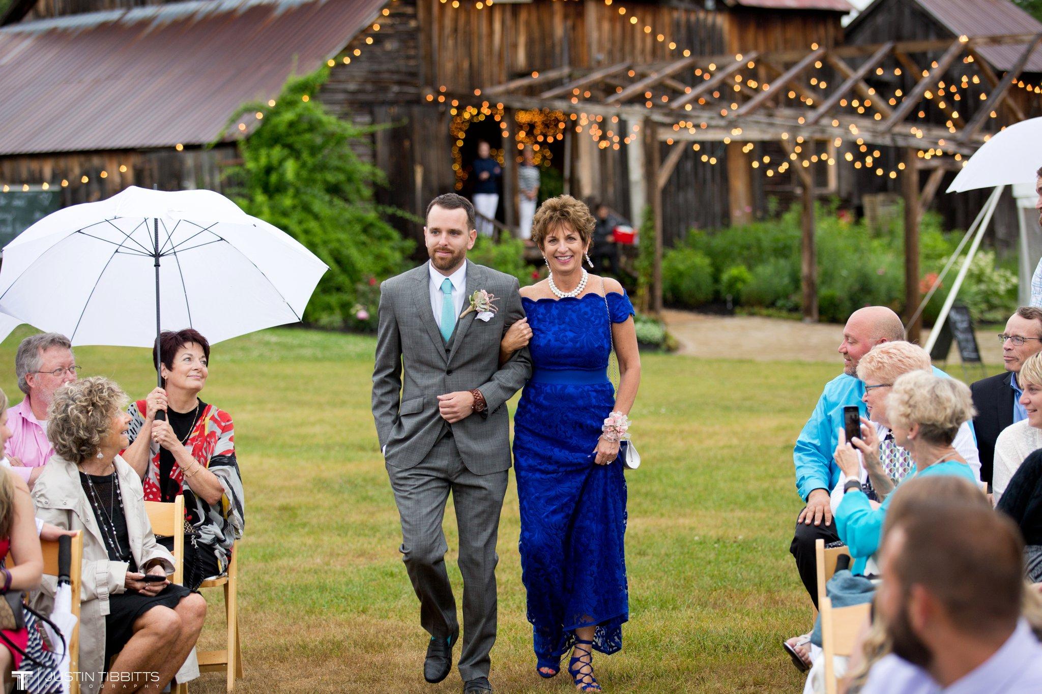 burlap-and-beams-wedding-photos-with-joran-and-molly_0048