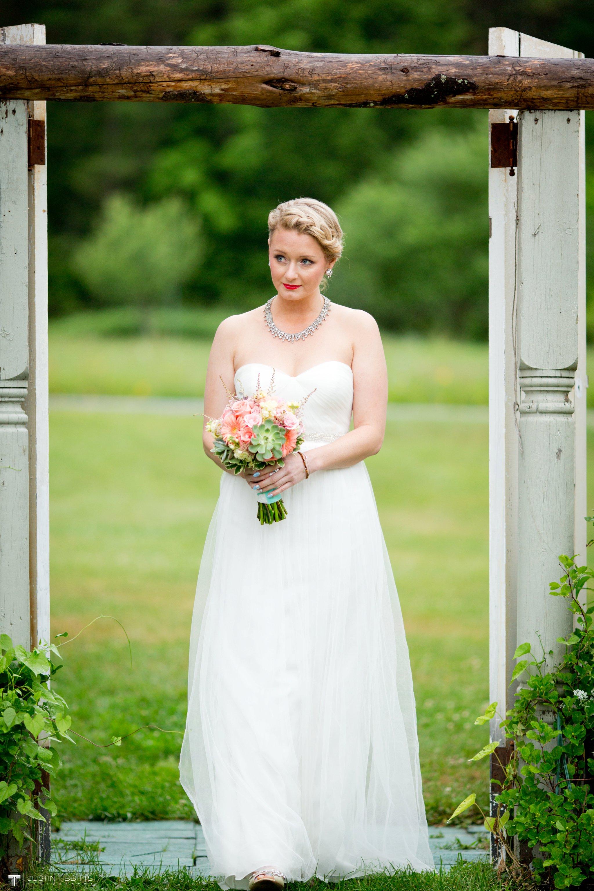 burlap-and-beams-wedding-photos-with-joran-and-molly_0053