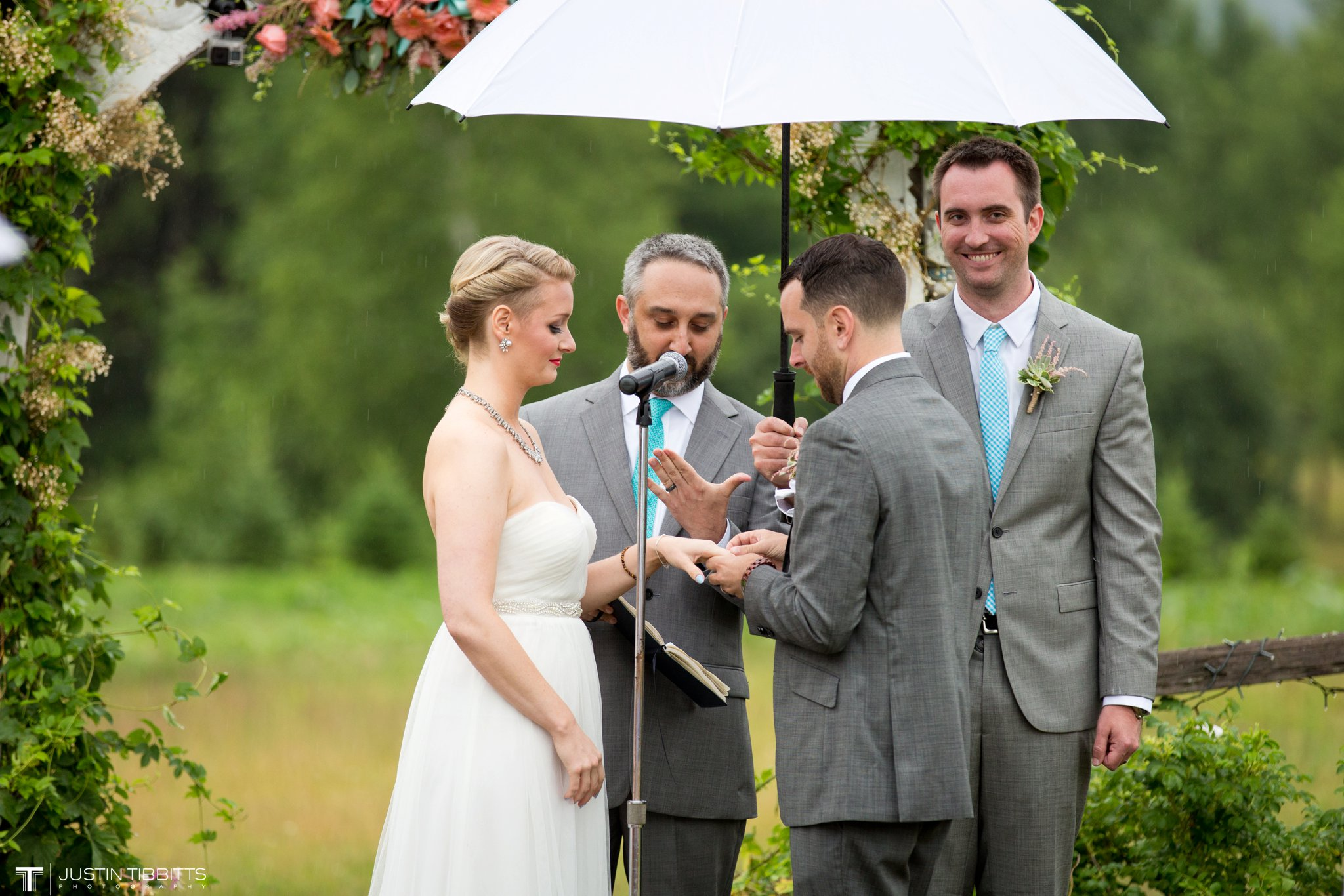 burlap-and-beams-wedding-photos-with-joran-and-molly_0071