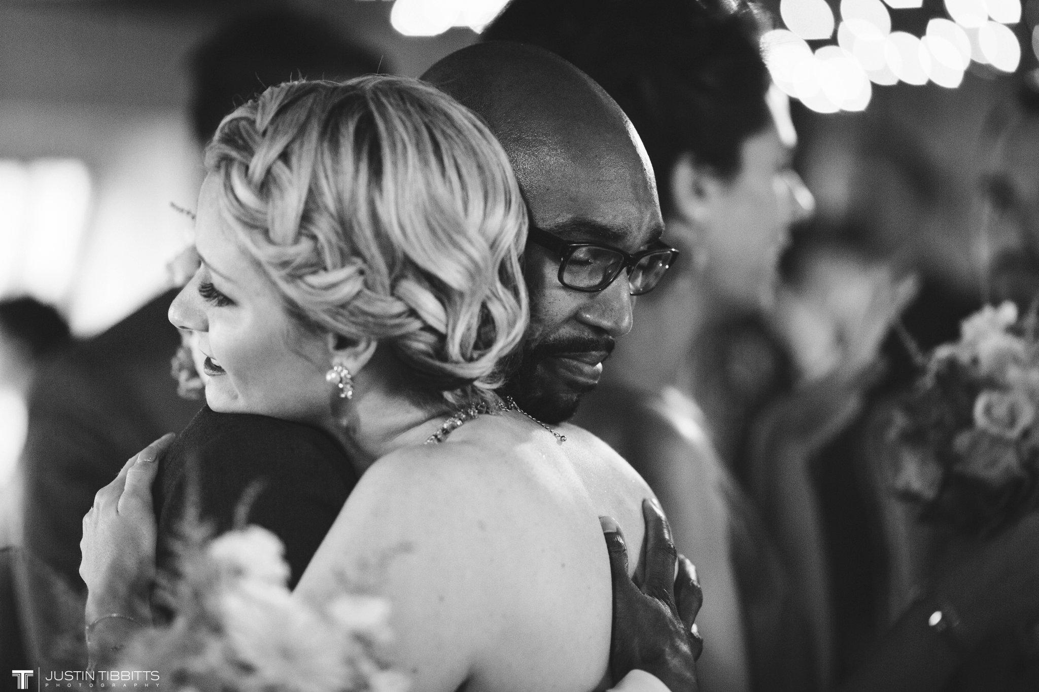 burlap-and-beams-wedding-photos-with-joran-and-molly_0077