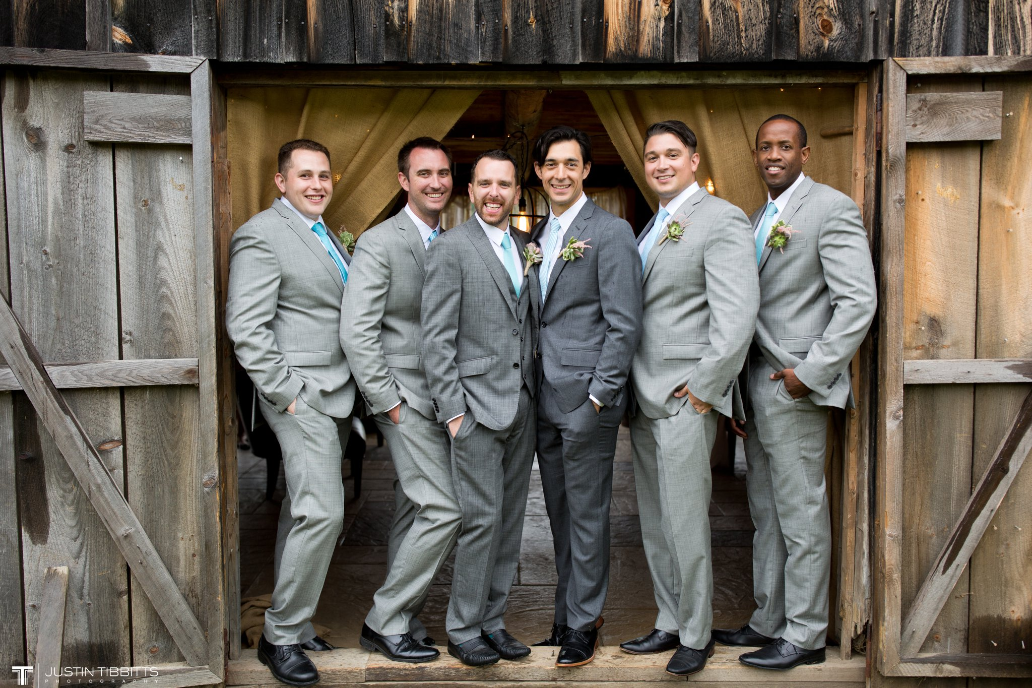 burlap-and-beams-wedding-photos-with-joran-and-molly_0078