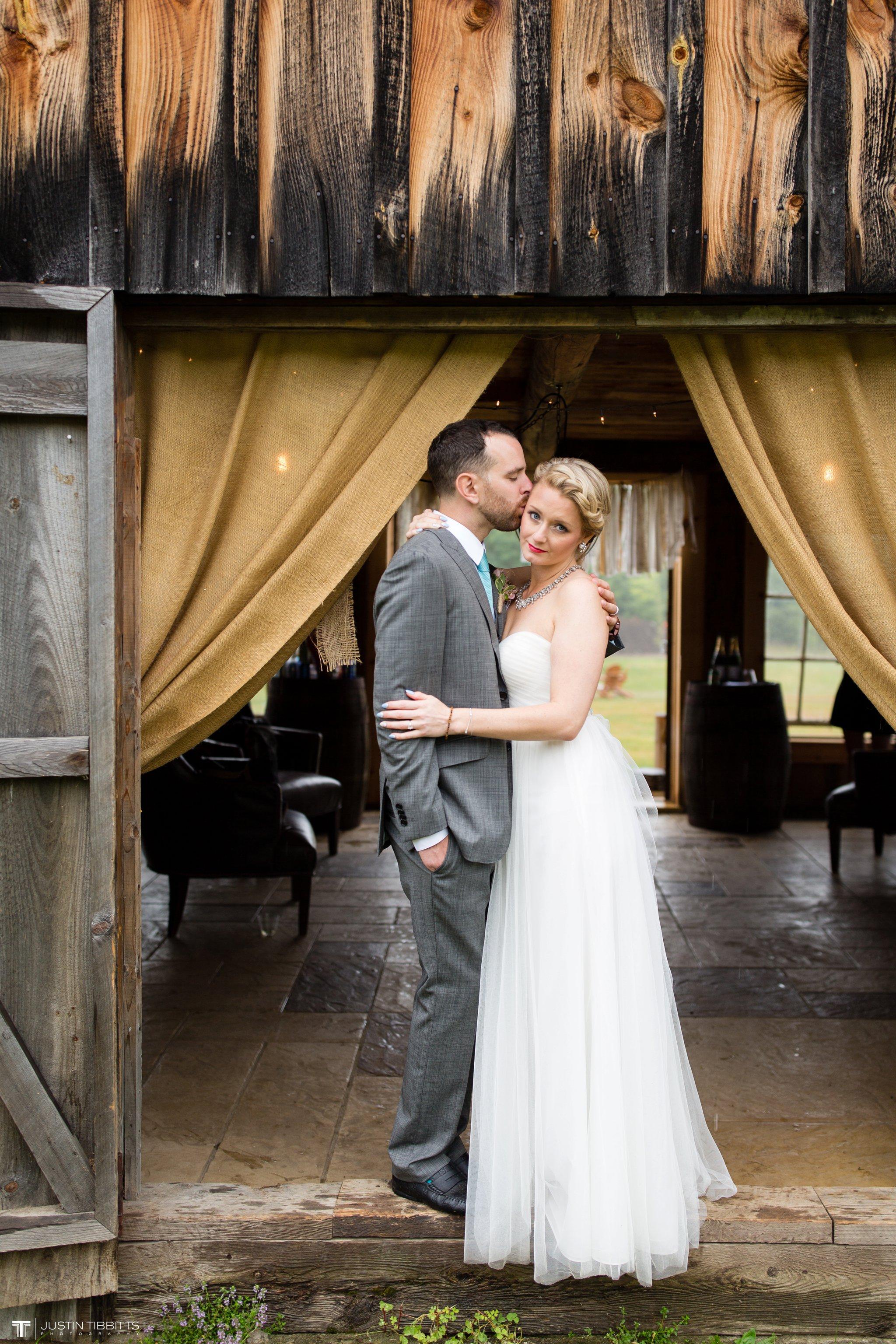 burlap-and-beams-wedding-photos-with-joran-and-molly_0085