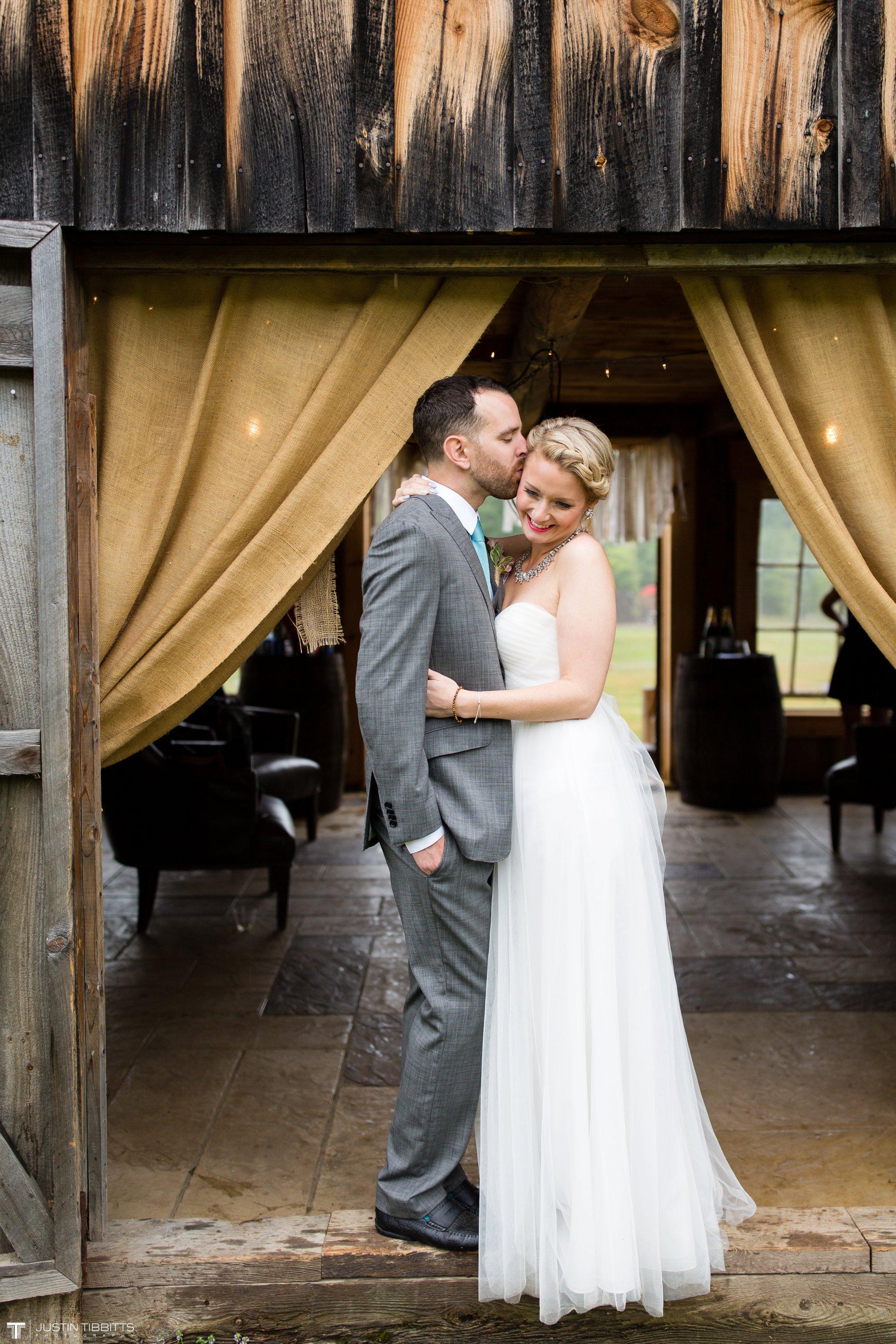 burlap-and-beams-wedding-photos-with-joran-and-molly_0086