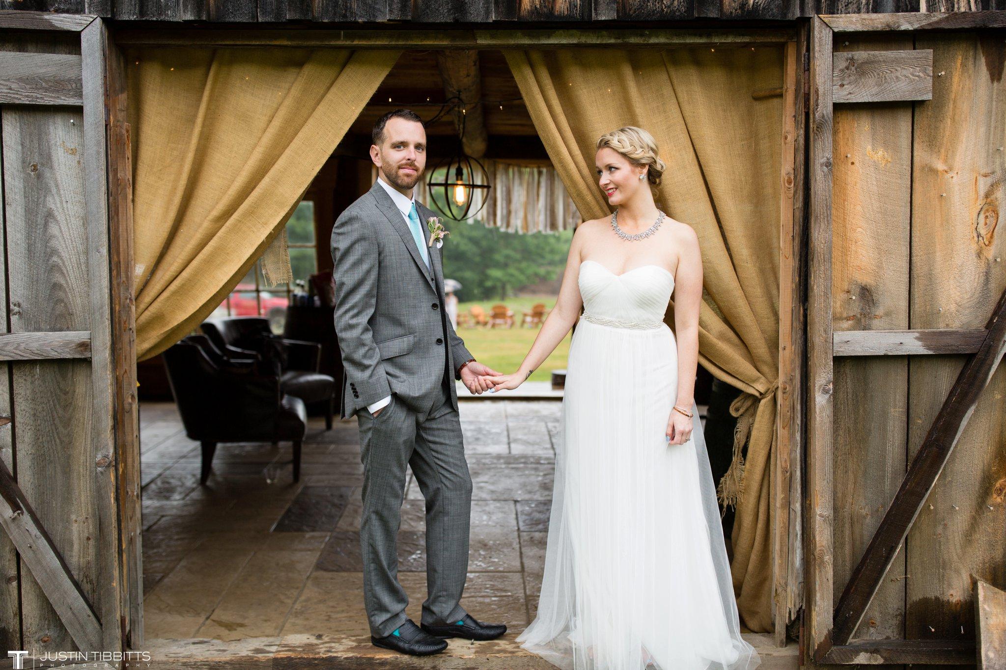 burlap-and-beams-wedding-photos-with-joran-and-molly_0094