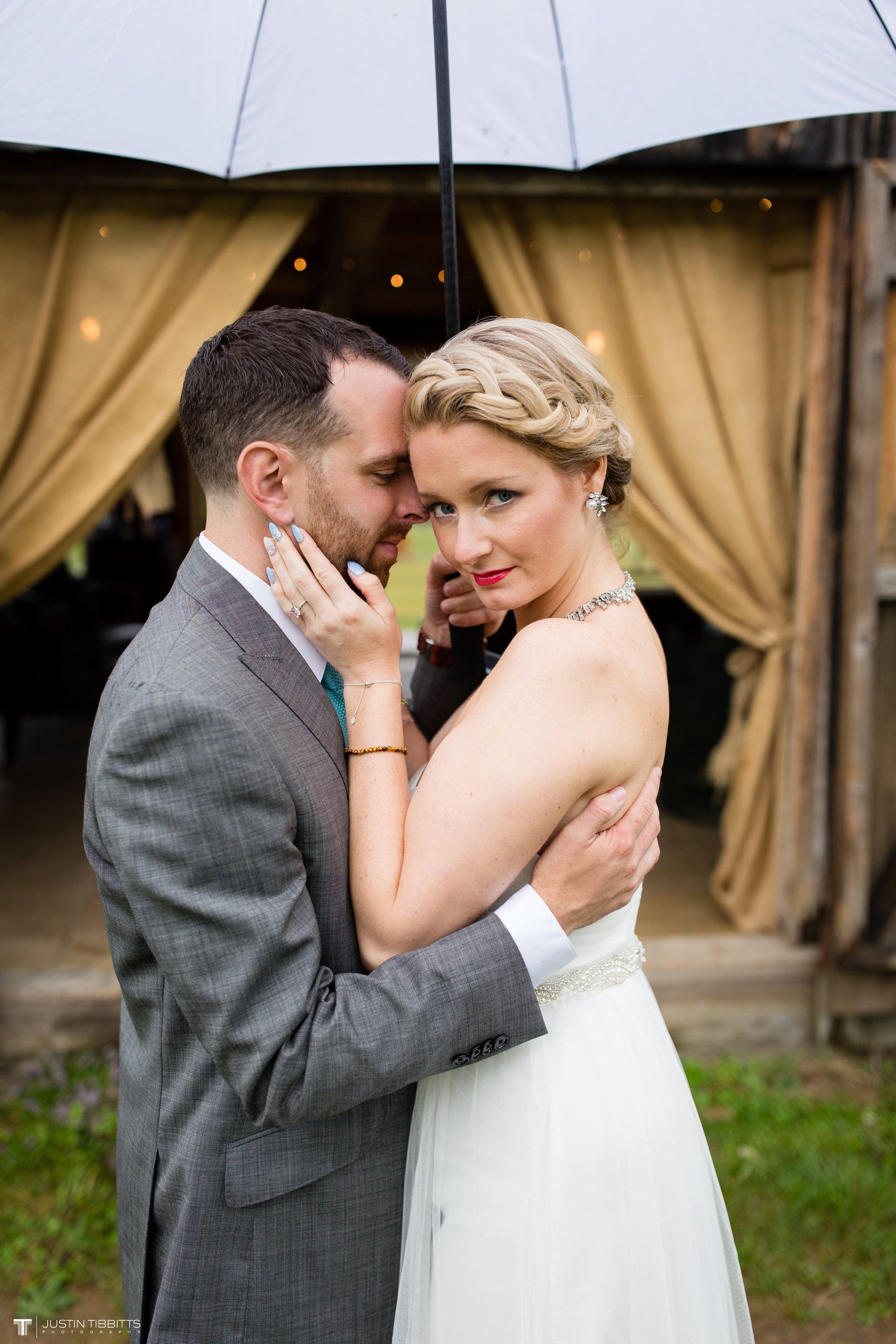 burlap-and-beams-wedding-photos-with-joran-and-molly_0095