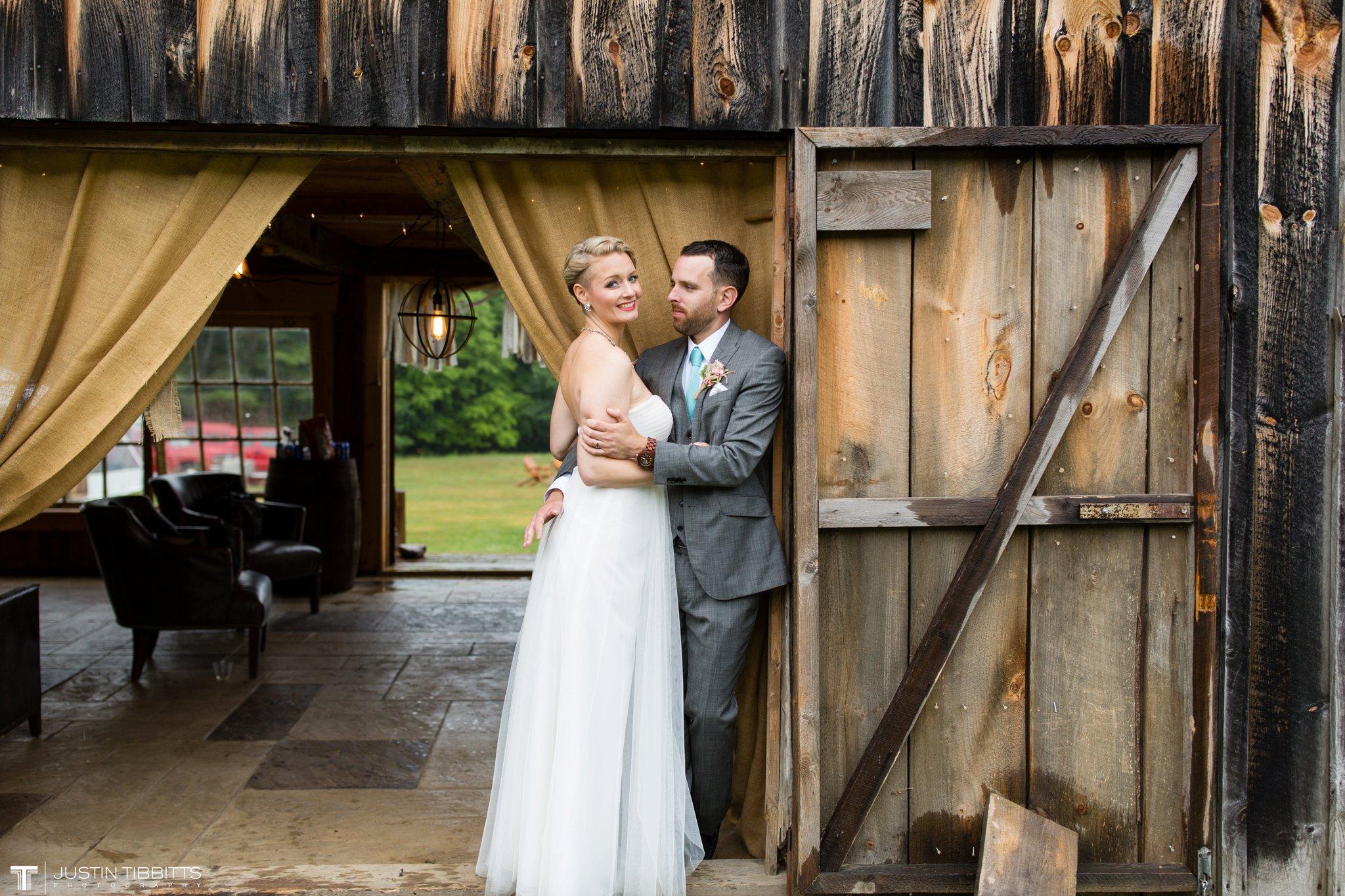 burlap-and-beams-wedding-photos-with-joran-and-molly_0098