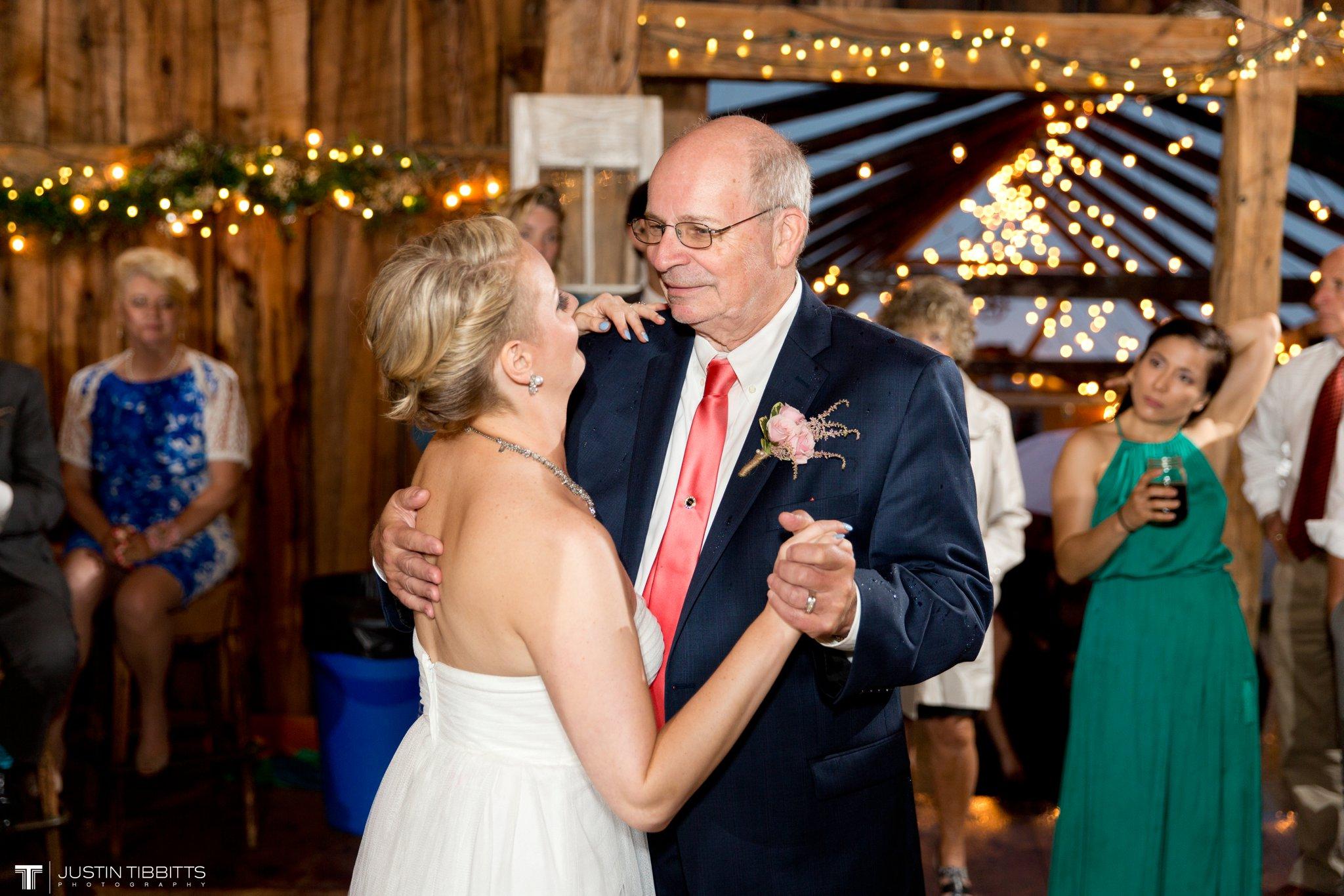 burlap-and-beams-wedding-photos-with-joran-and-molly_0110