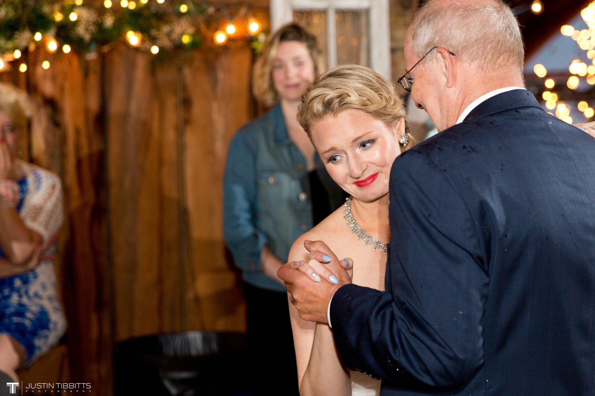 burlap-and-beams-wedding-photos-with-joran-and-molly_0111