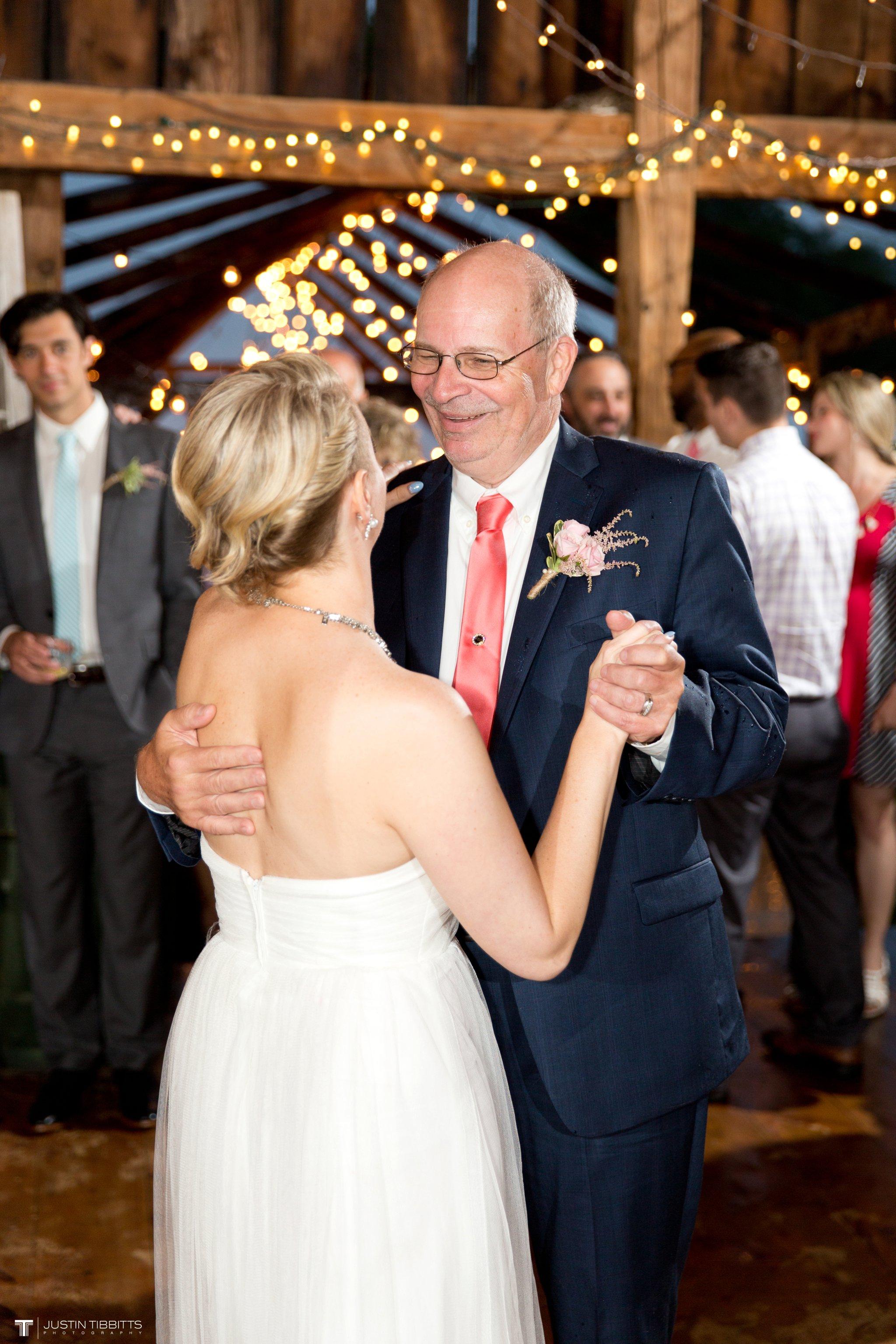burlap-and-beams-wedding-photos-with-joran-and-molly_0112