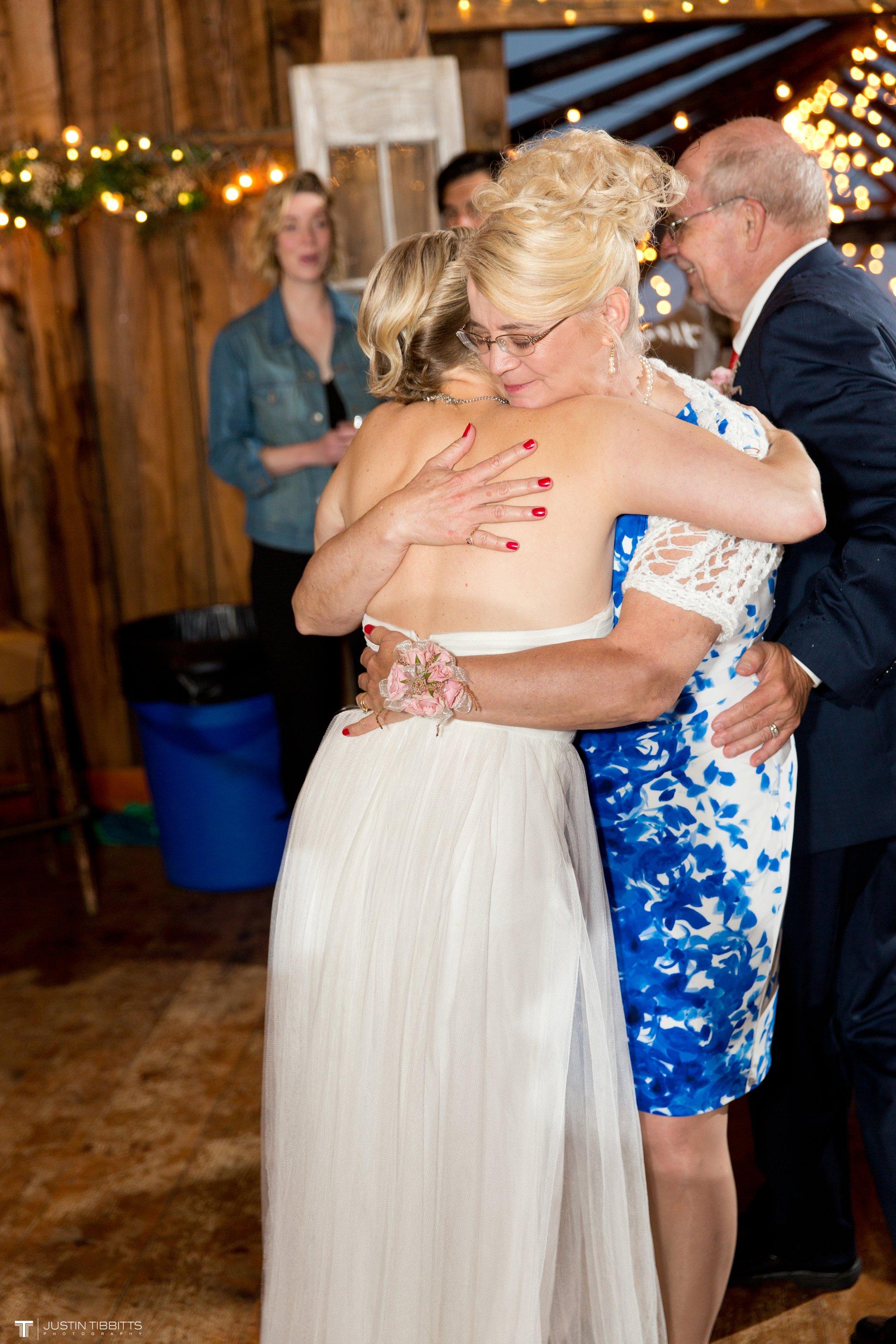 burlap-and-beams-wedding-photos-with-joran-and-molly_0113