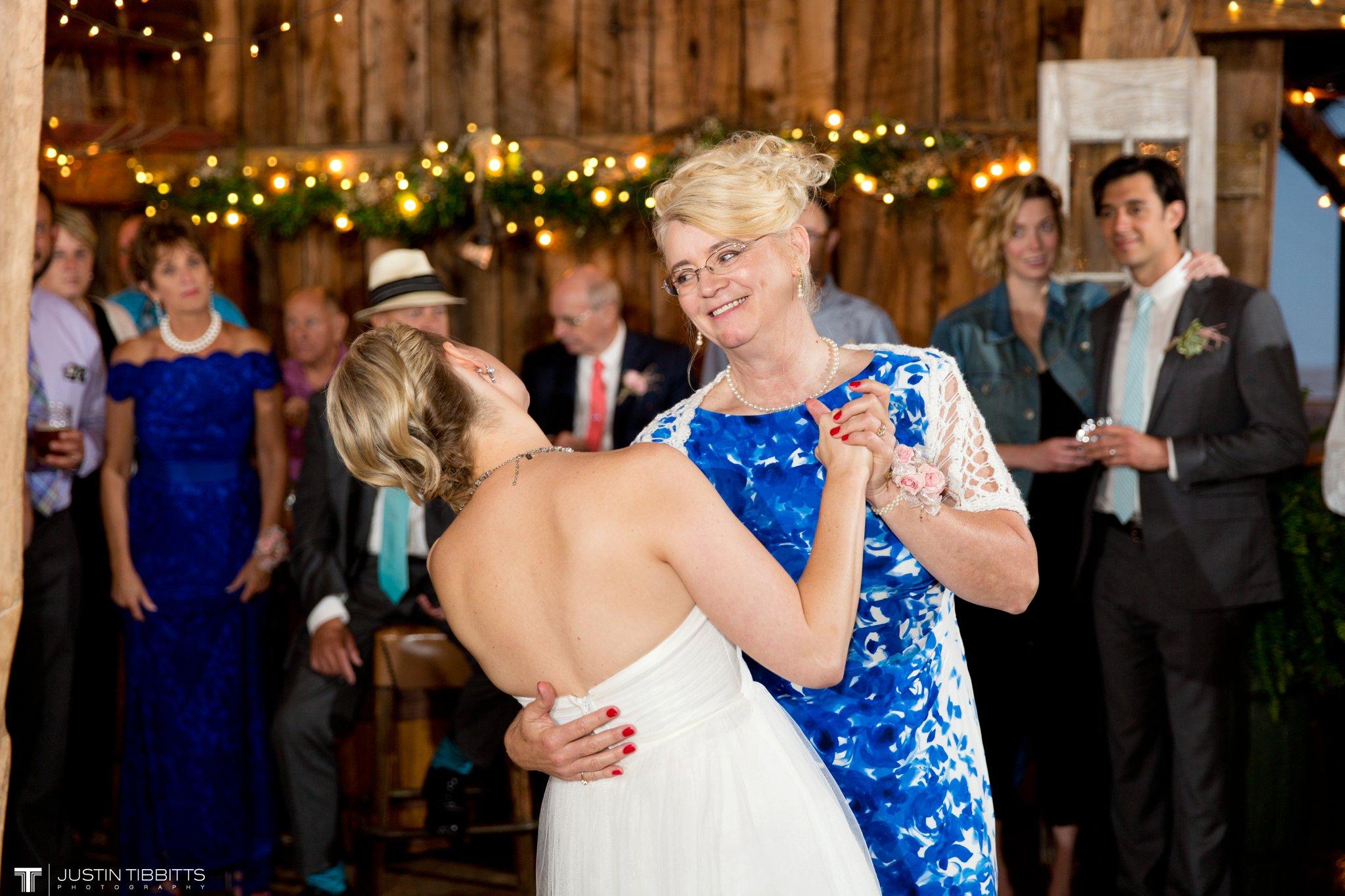 burlap-and-beams-wedding-photos-with-joran-and-molly_0114