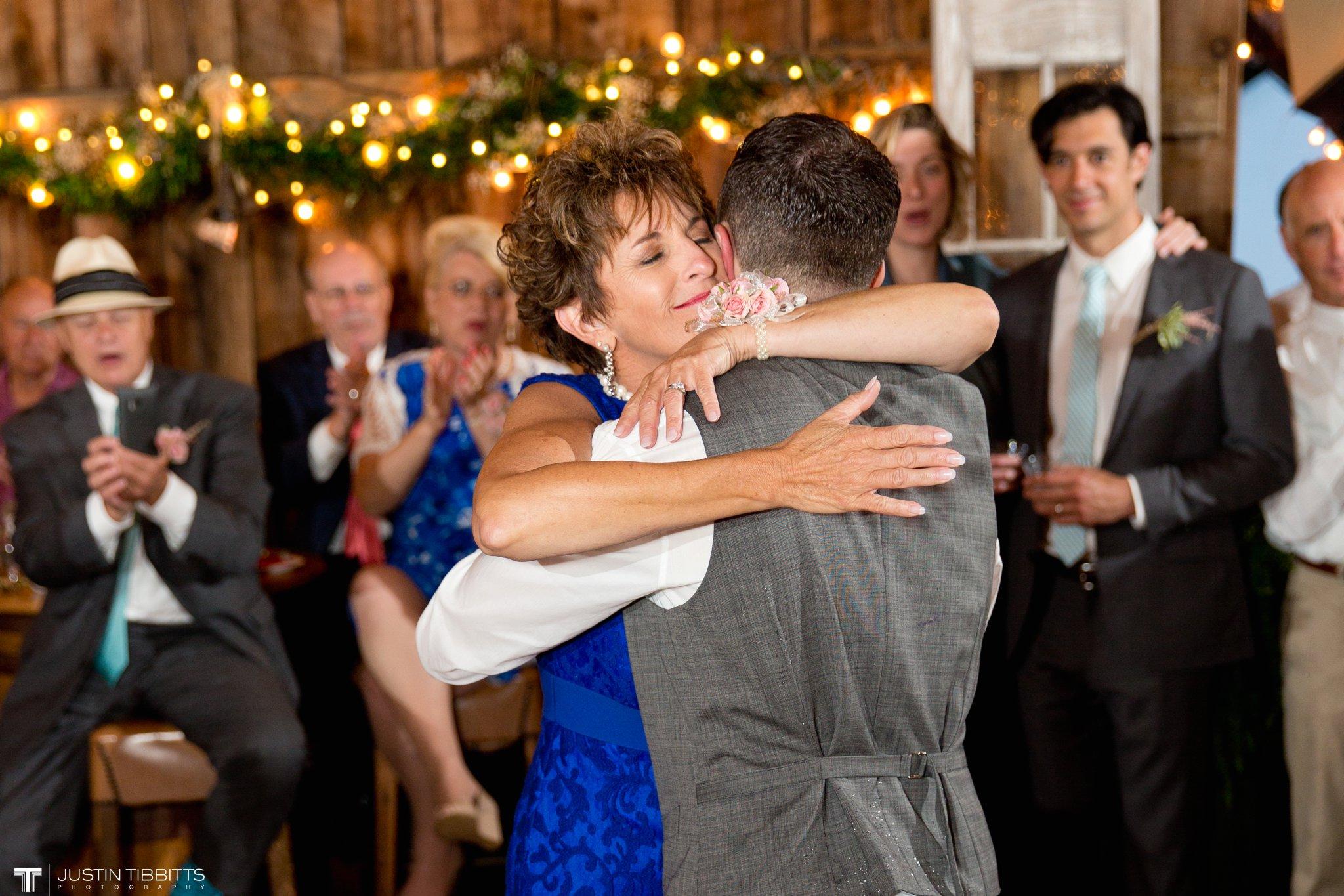 burlap-and-beams-wedding-photos-with-joran-and-molly_0117
