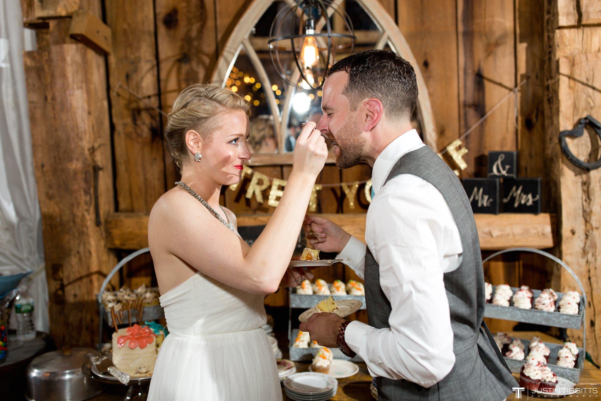 burlap-and-beams-wedding-photos-with-joran-and-molly_0120
