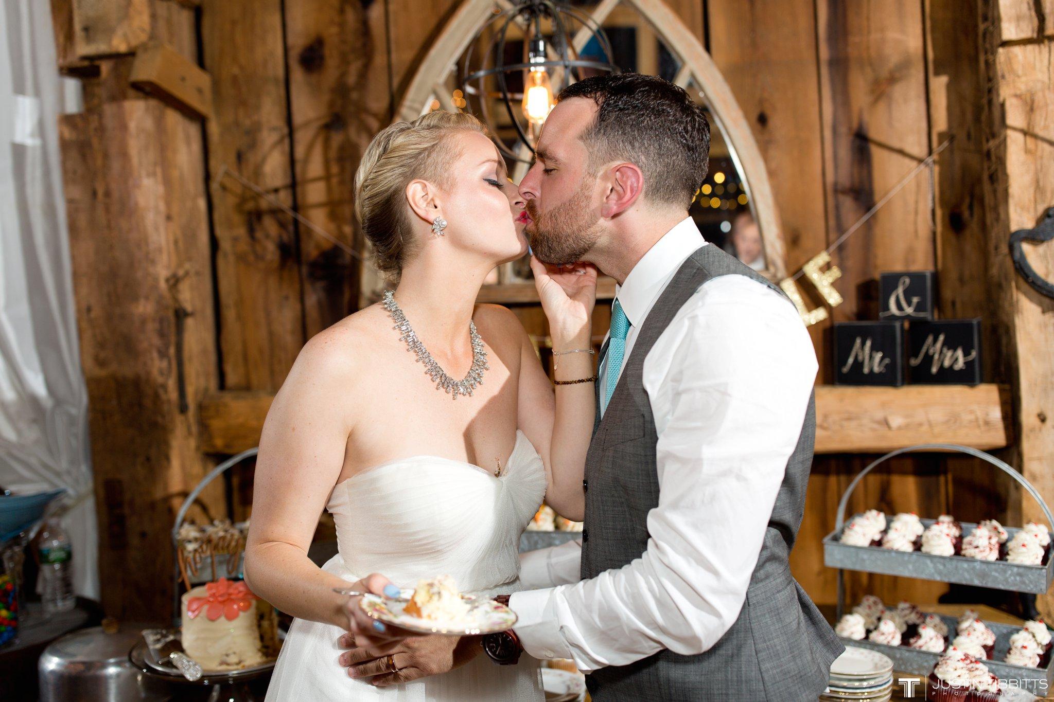 burlap-and-beams-wedding-photos-with-joran-and-molly_0121