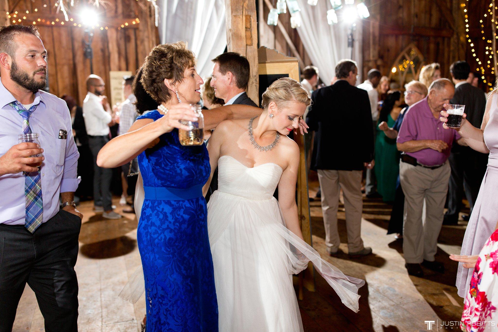 burlap-and-beams-wedding-photos-with-joran-and-molly_0122